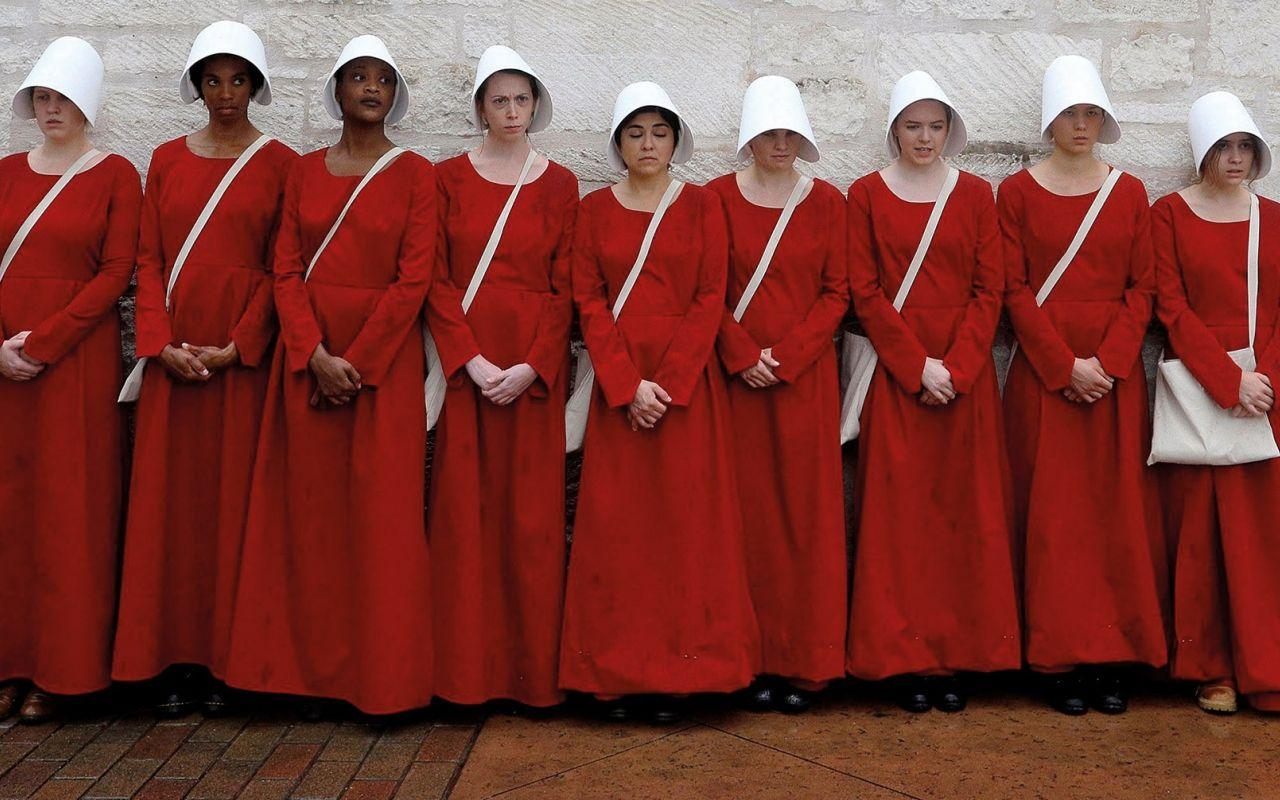 The Handmaid's Tale: Dystopian dread in the new golden age of ...