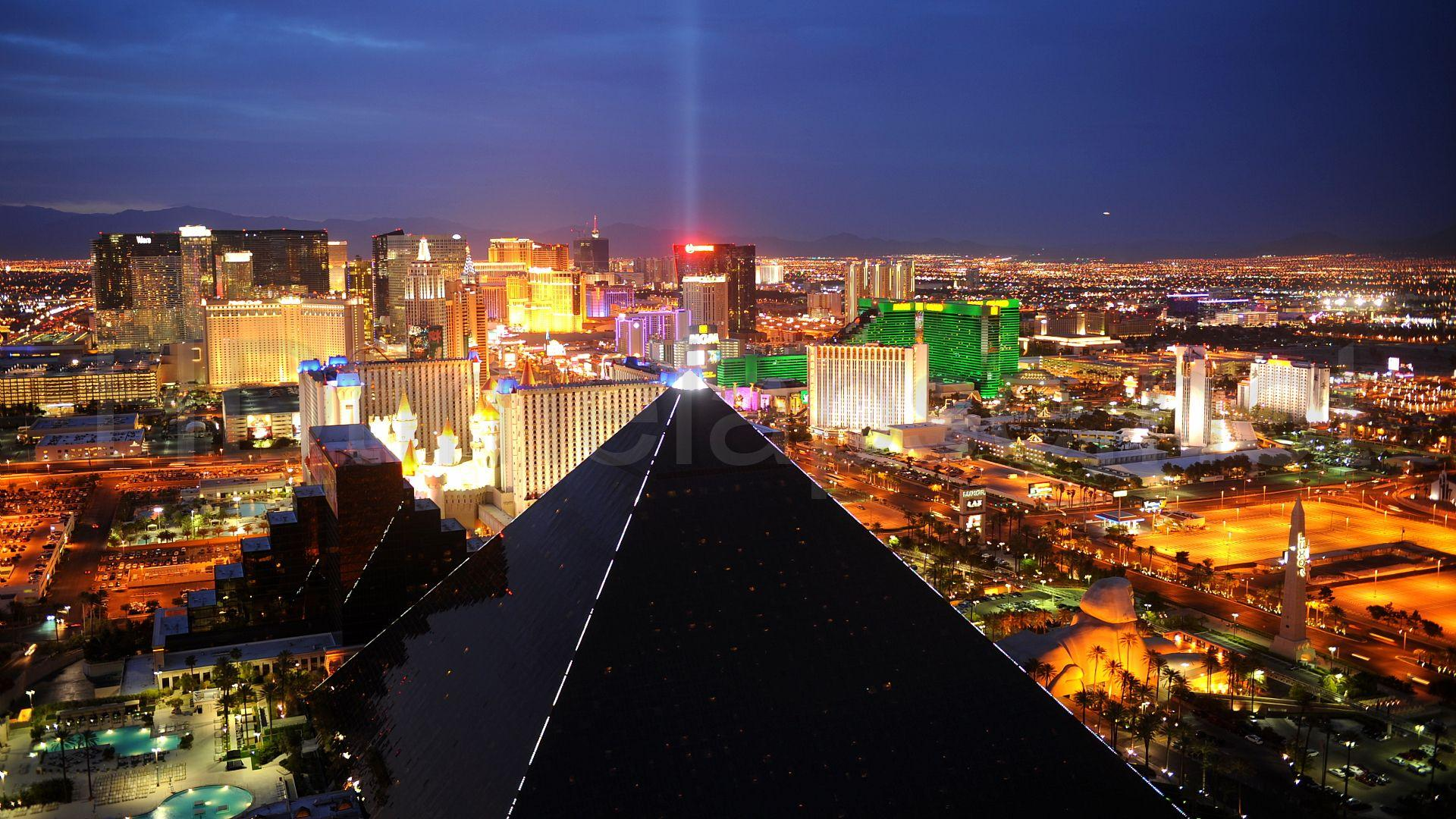 Download Las Vegas Strip Pictures Wallpapers Gallery
