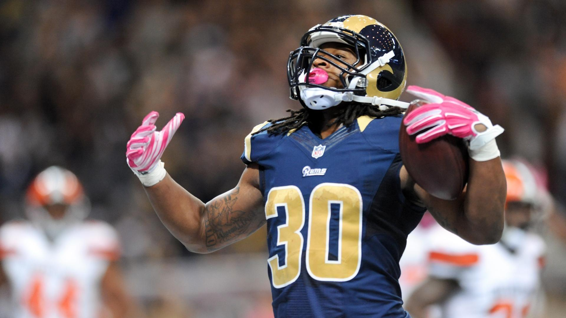 Todd Gurley gets game ball for closing out Cleveland