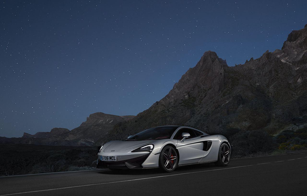 Images McLaren 570GT automobile night time