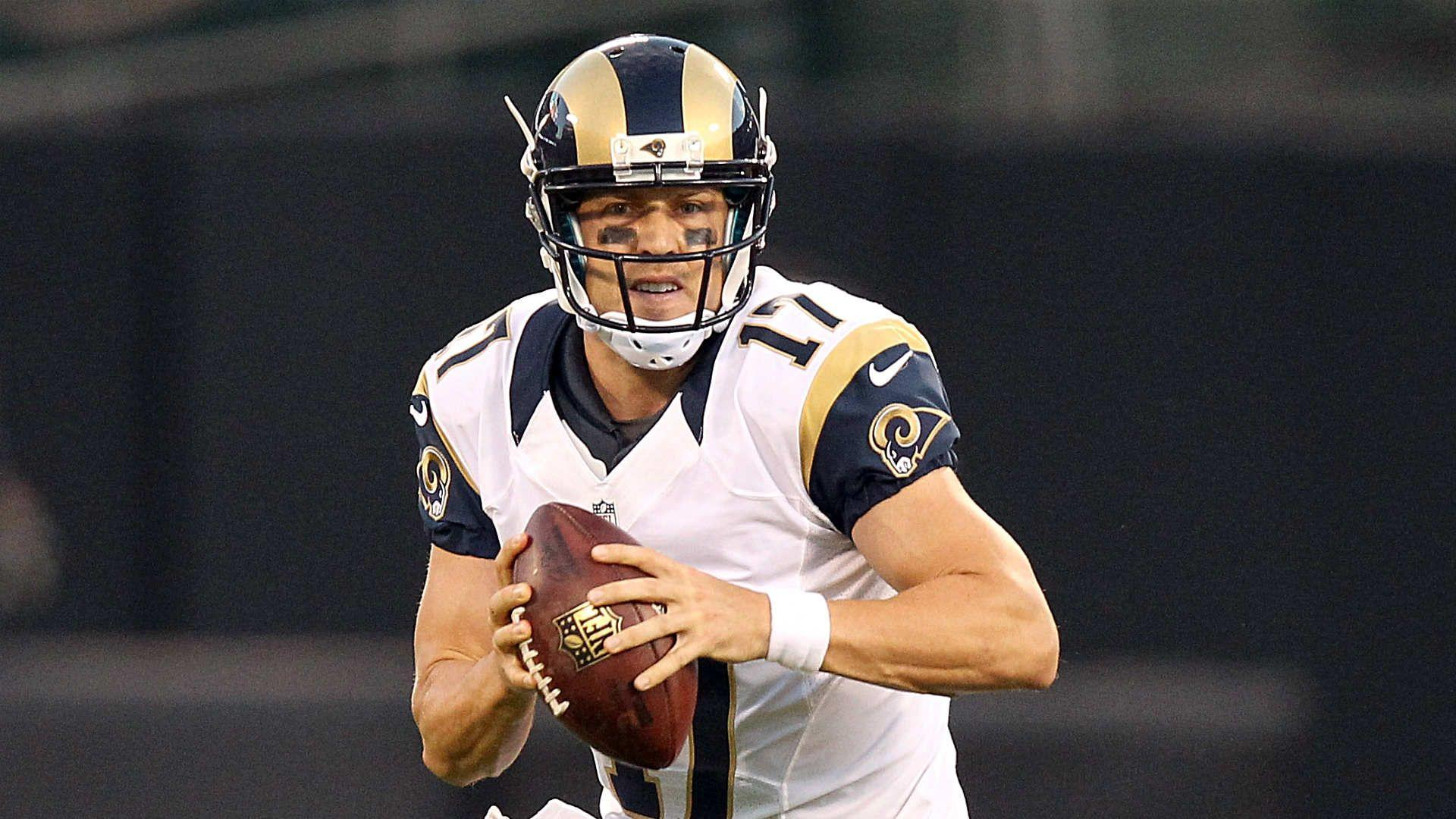Rams bench Nick Foles, will start Case Keenum at QB against Ravens