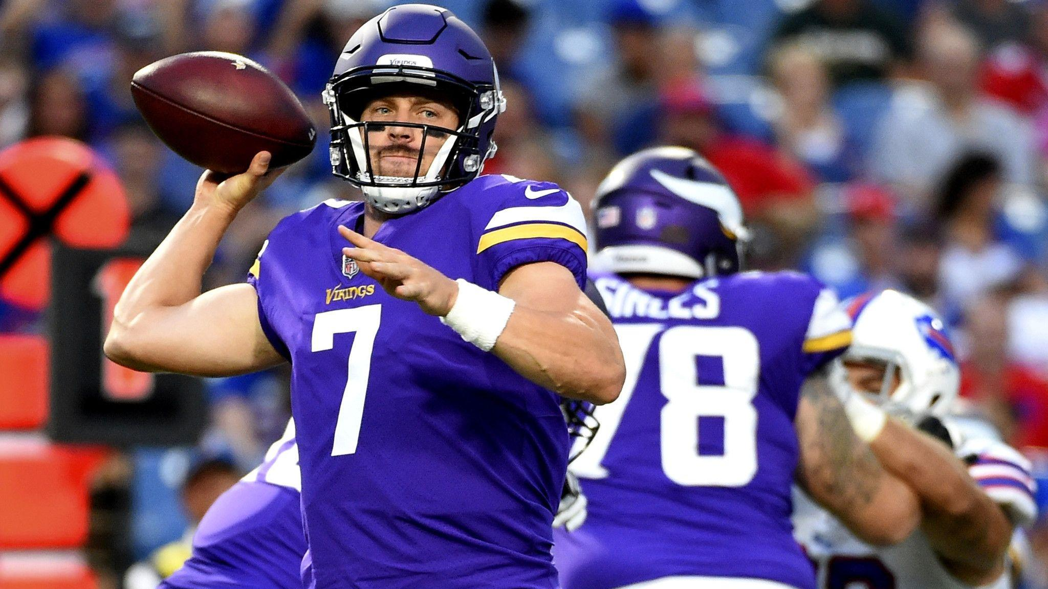 NFL notes: Case Keenum has a solid debut for the Vikings - LA Times