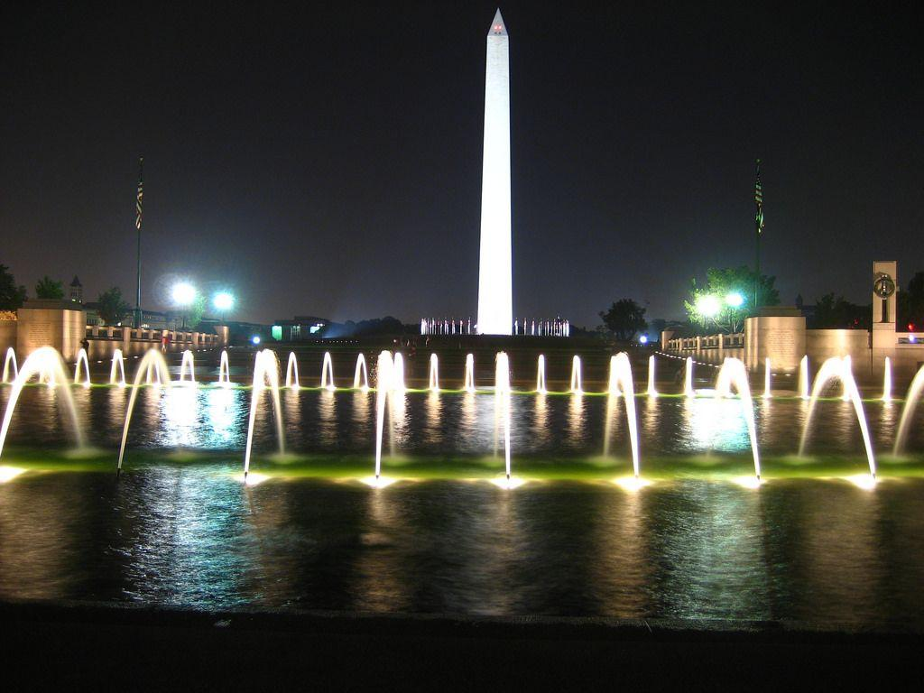 National Mall at Night | The World War II memorial in front … | Flickr