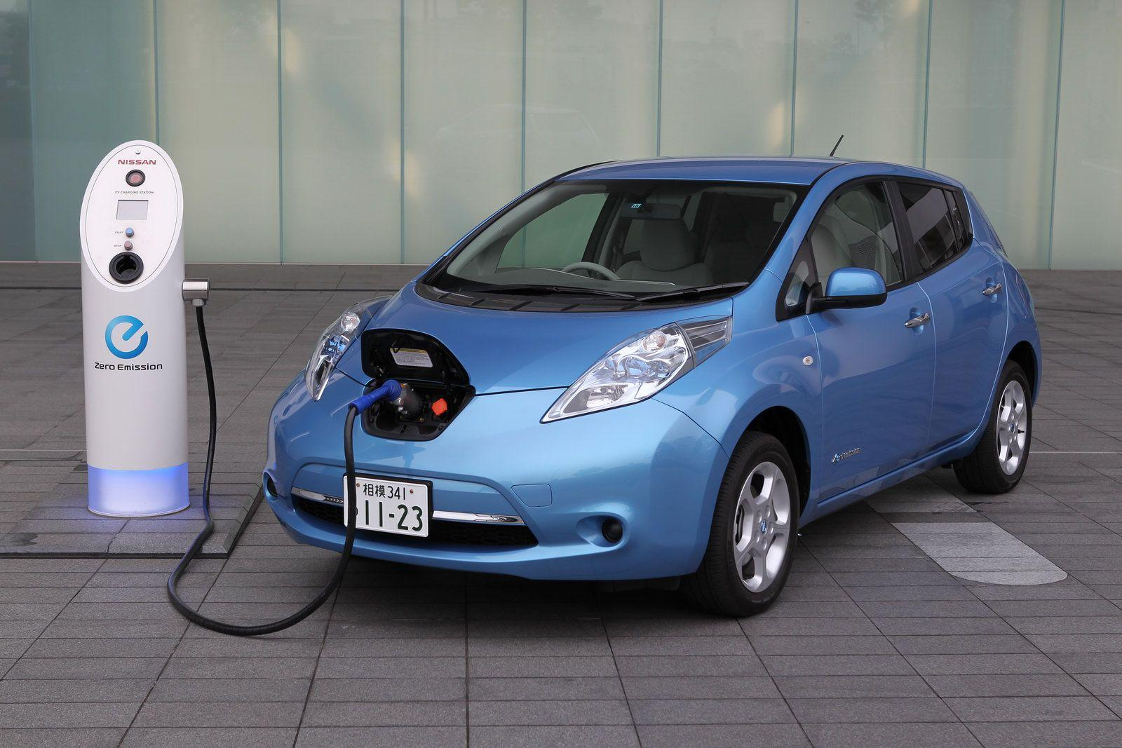 Nissan Leaf Photos and Wallpapers | TrueAutoSite