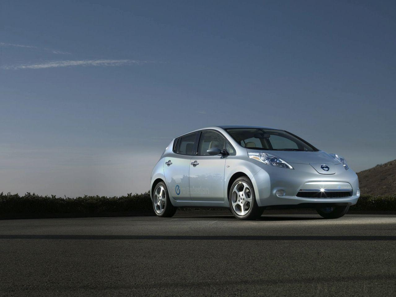 Sport Cars: Nissan Leaf Hd Wallpapers 2011