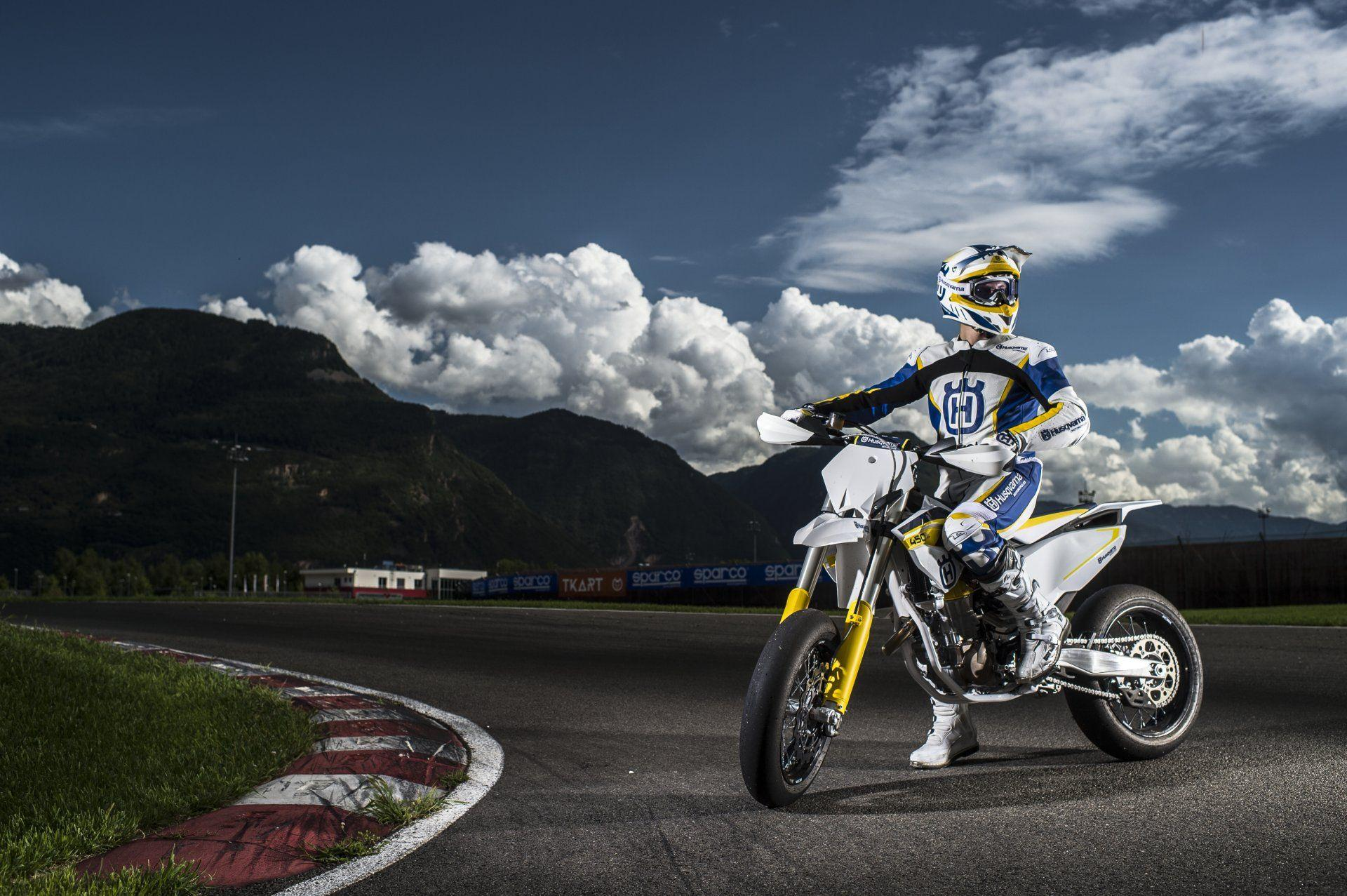 Husqvarna FS 450 Wallpapers