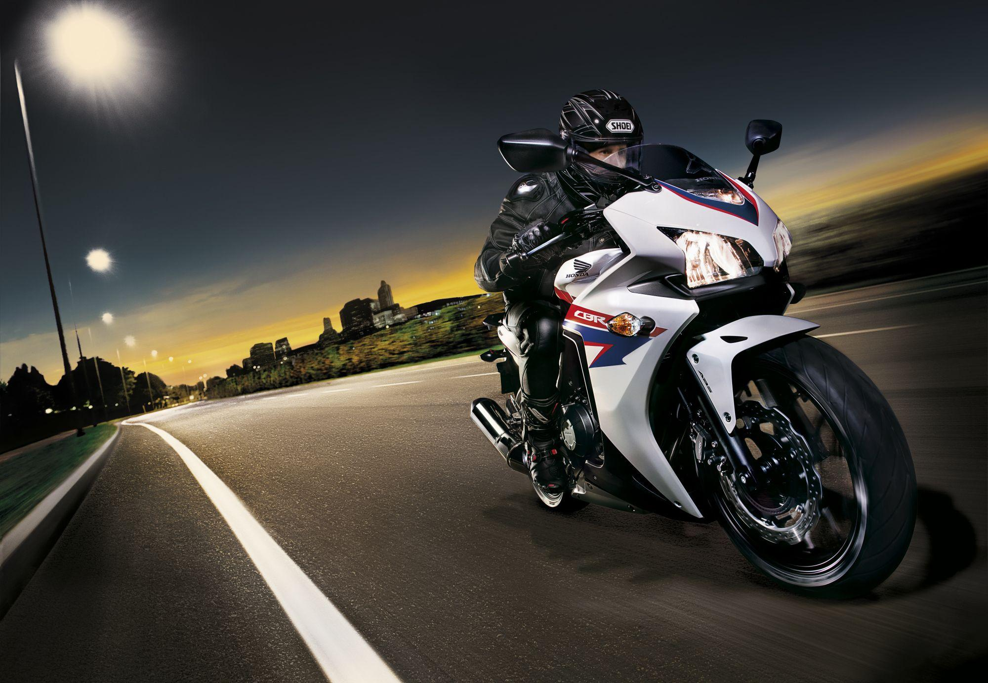 Incredibly fast bike Honda CBR 500 R wallpapers and images ...