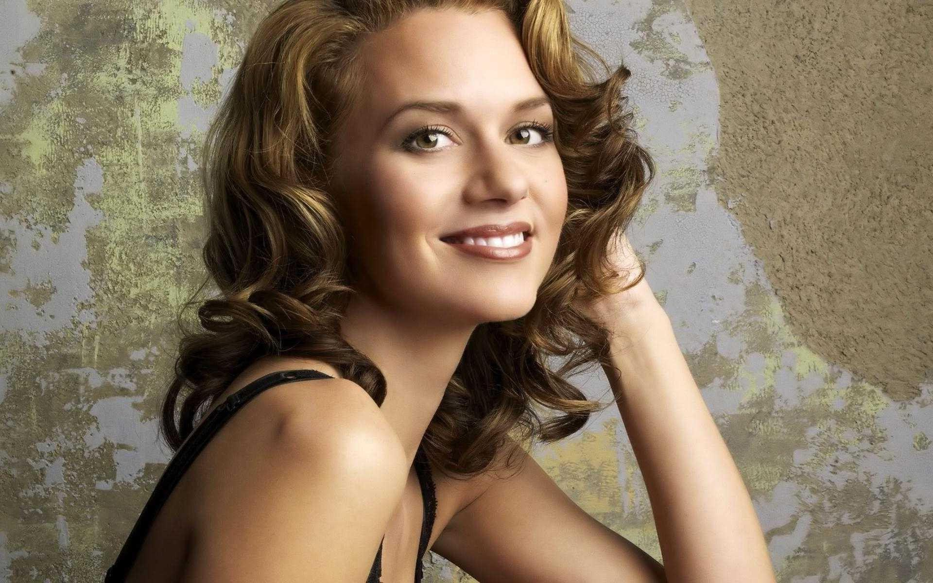 Hilarie Burton Wallpapers, Pictures, Images