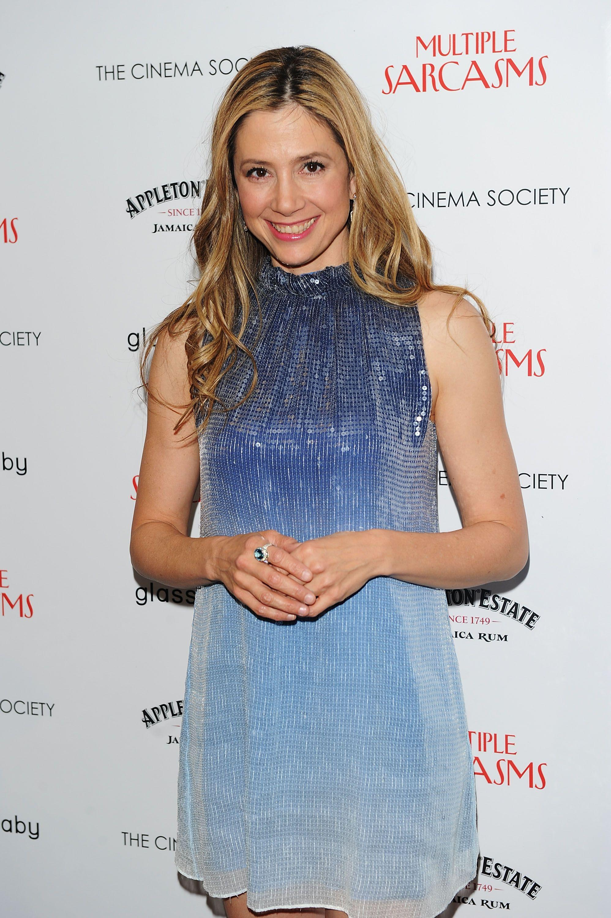 Mira Sorvino Images, Videos and Sexy Pics | Hottie Profile ...