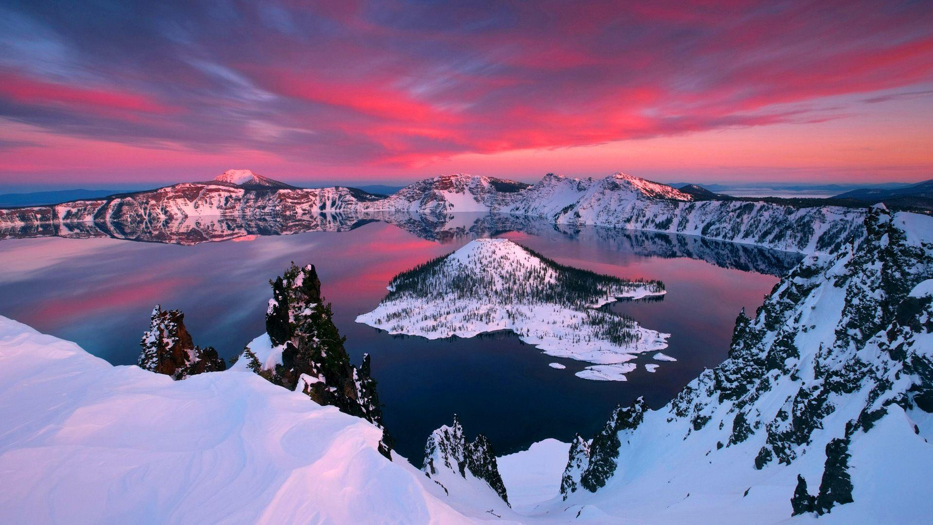 Check out the immeasurable beauty of Crater Lake National Park ...