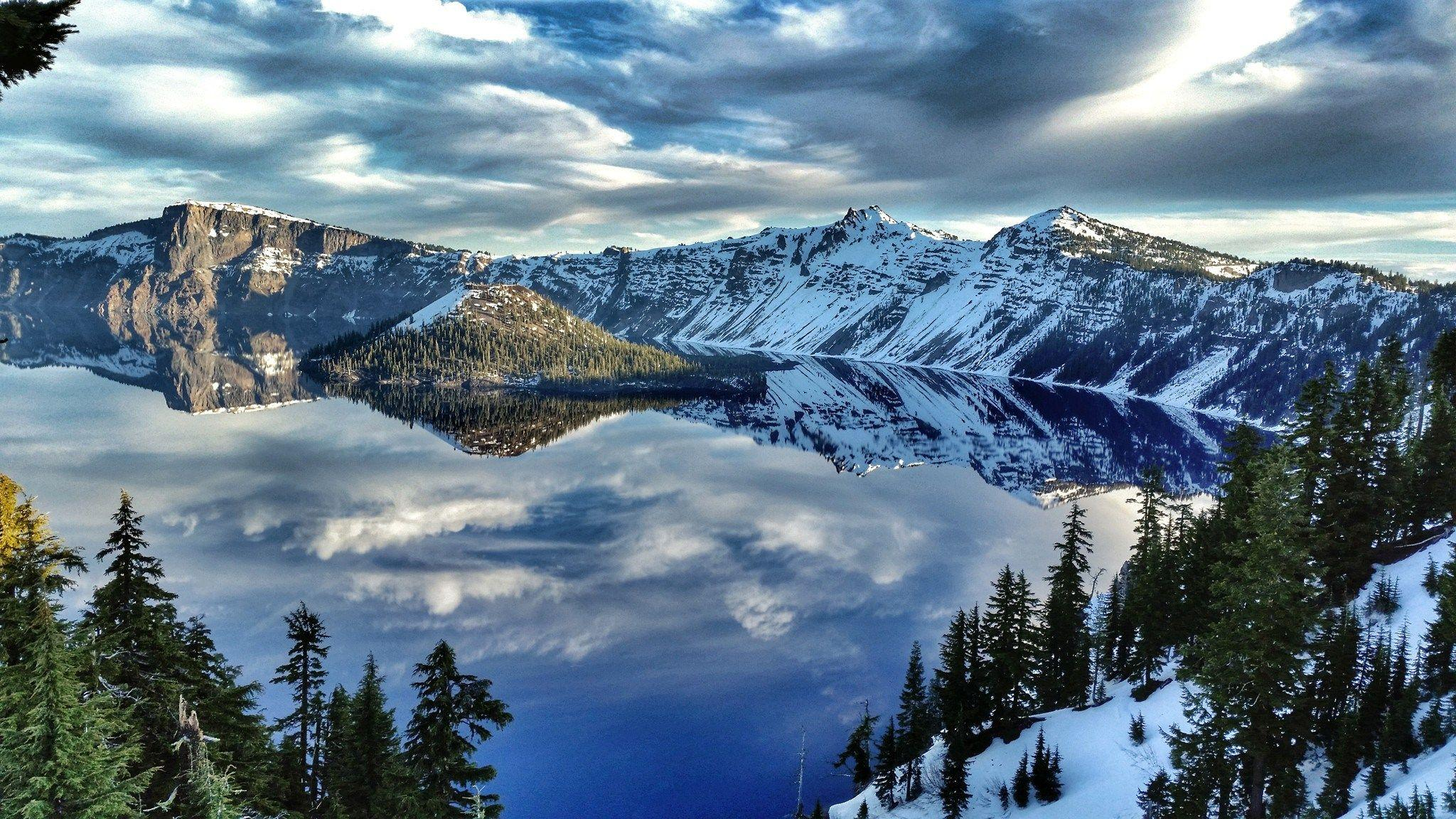Crater Lake National Park Mountain Reflection Wallpapers