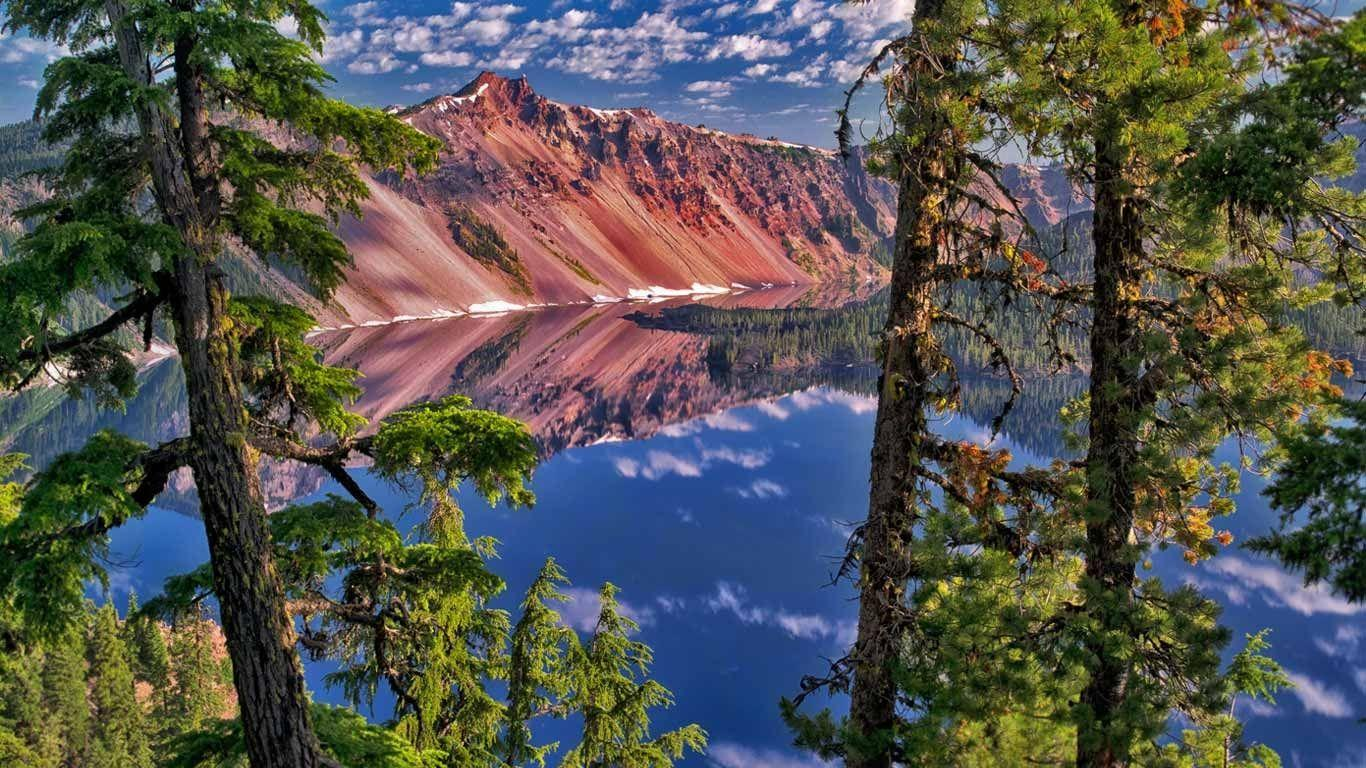 The Watchman Peak in Crater Lake National Park, Oregon (© Dennis ...