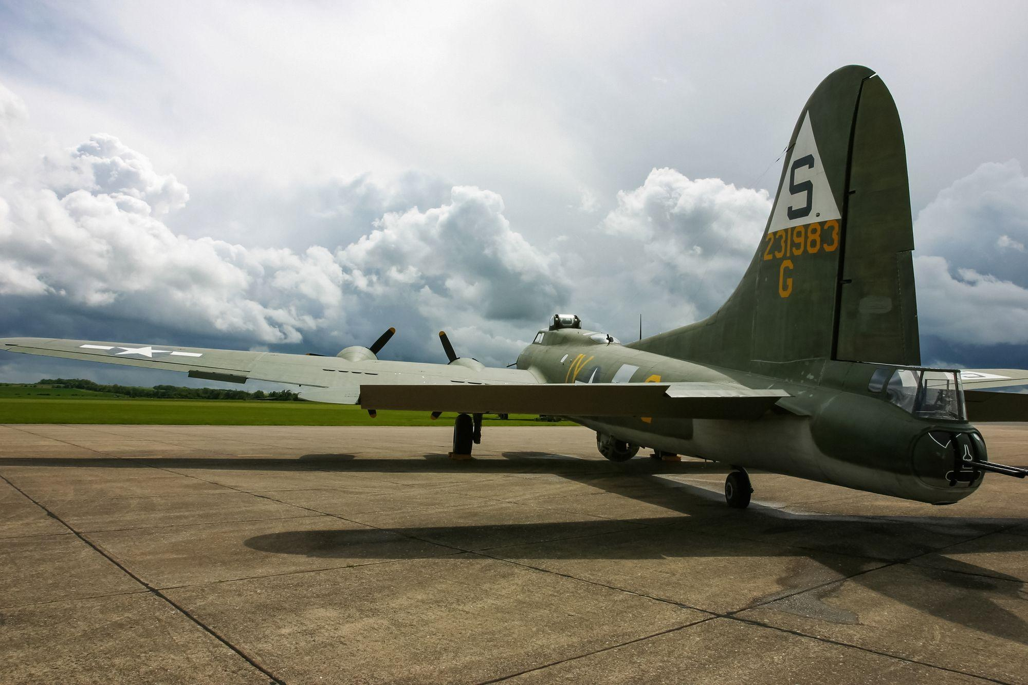 B 17 Flying Fortress Wallpaper Boeing B-17 Fly...