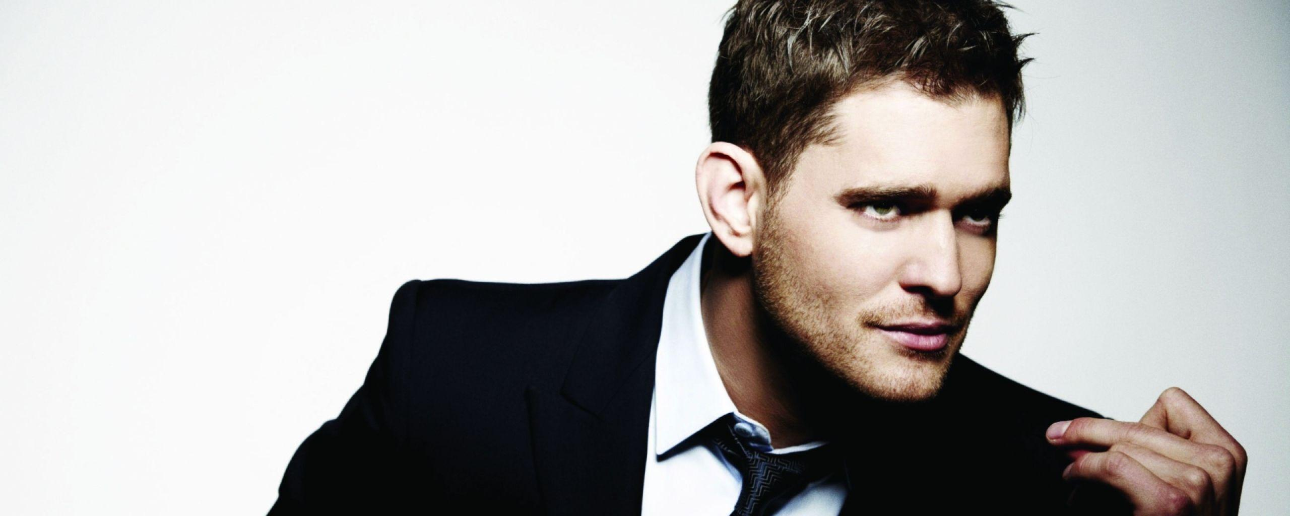Download Wallpapers 2560x1024 Michael buble, Suit, Face, Tie, Look