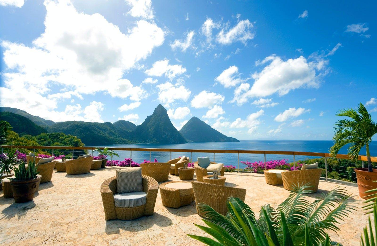 Beach: Beautiful View Blue Ocean Lagoon Mountains Caribbean St