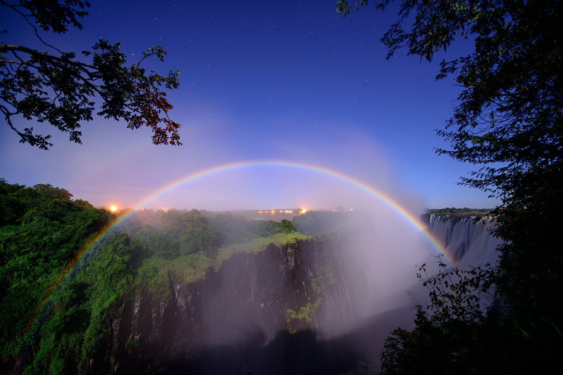 south africa border of zambia and zimbabwe river zambezi waterfall ...