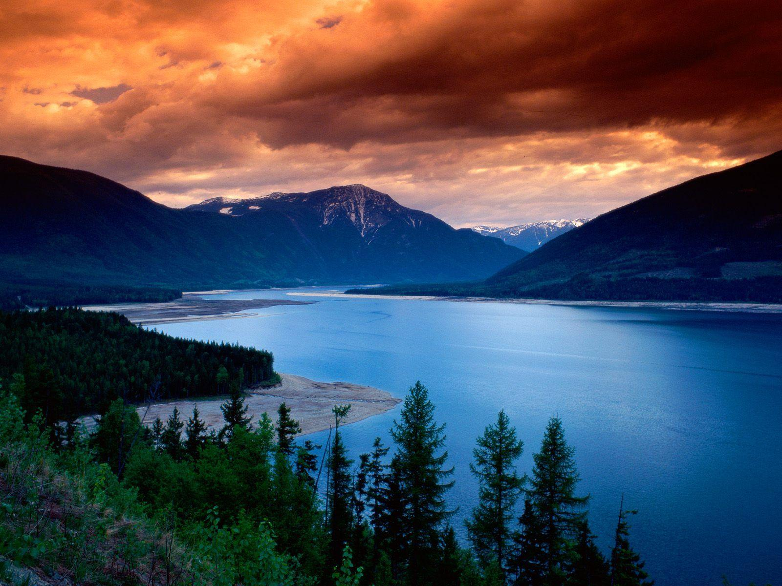 Upper Arrow Lake, British Columbia, Canada wallpaper - Waterfalls ...