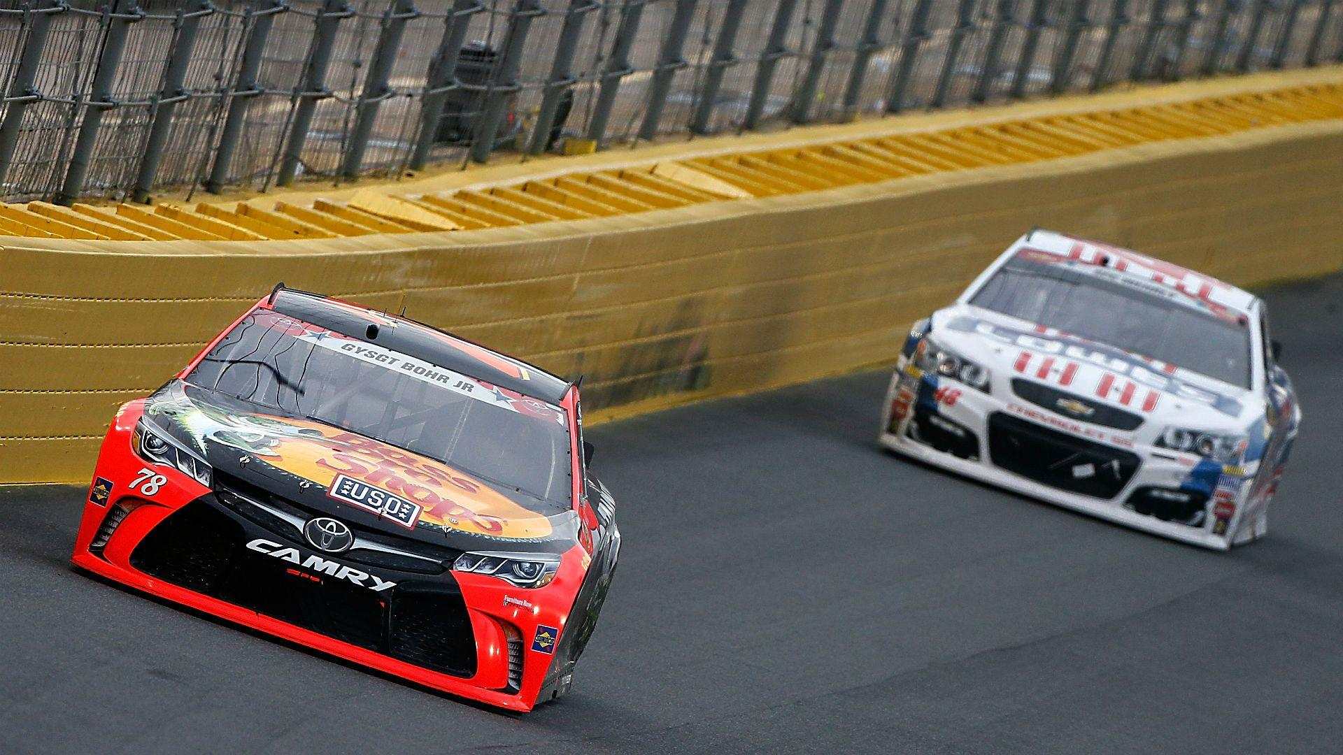 Jimmie Johnson, Kevin Harvick left to chase Martin Truex Jr. in