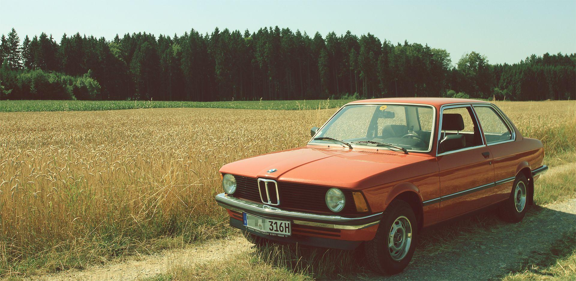 Here is a nice wallpapers of a BMW E21 316 xd