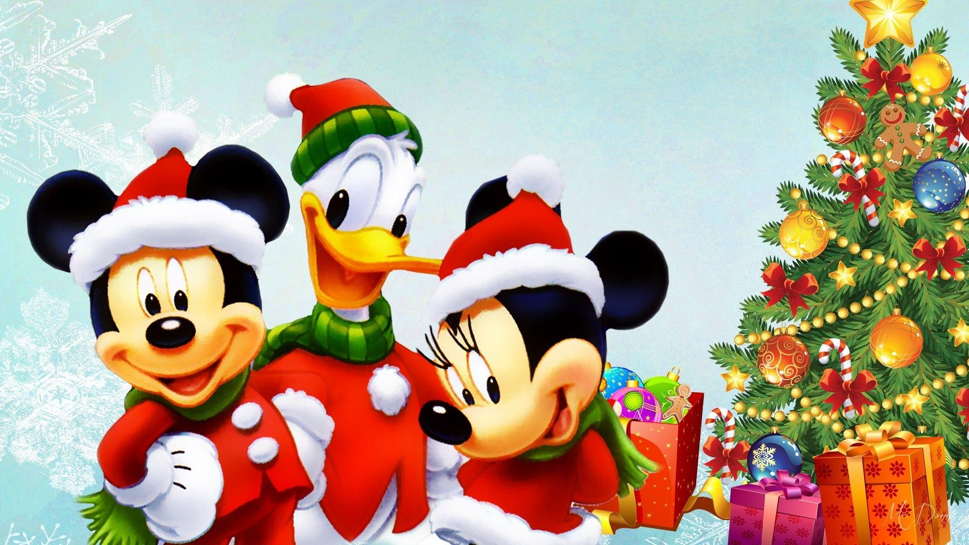 Winter: Disney Tree Mickey Presents Duck Donald Christmas Mouse