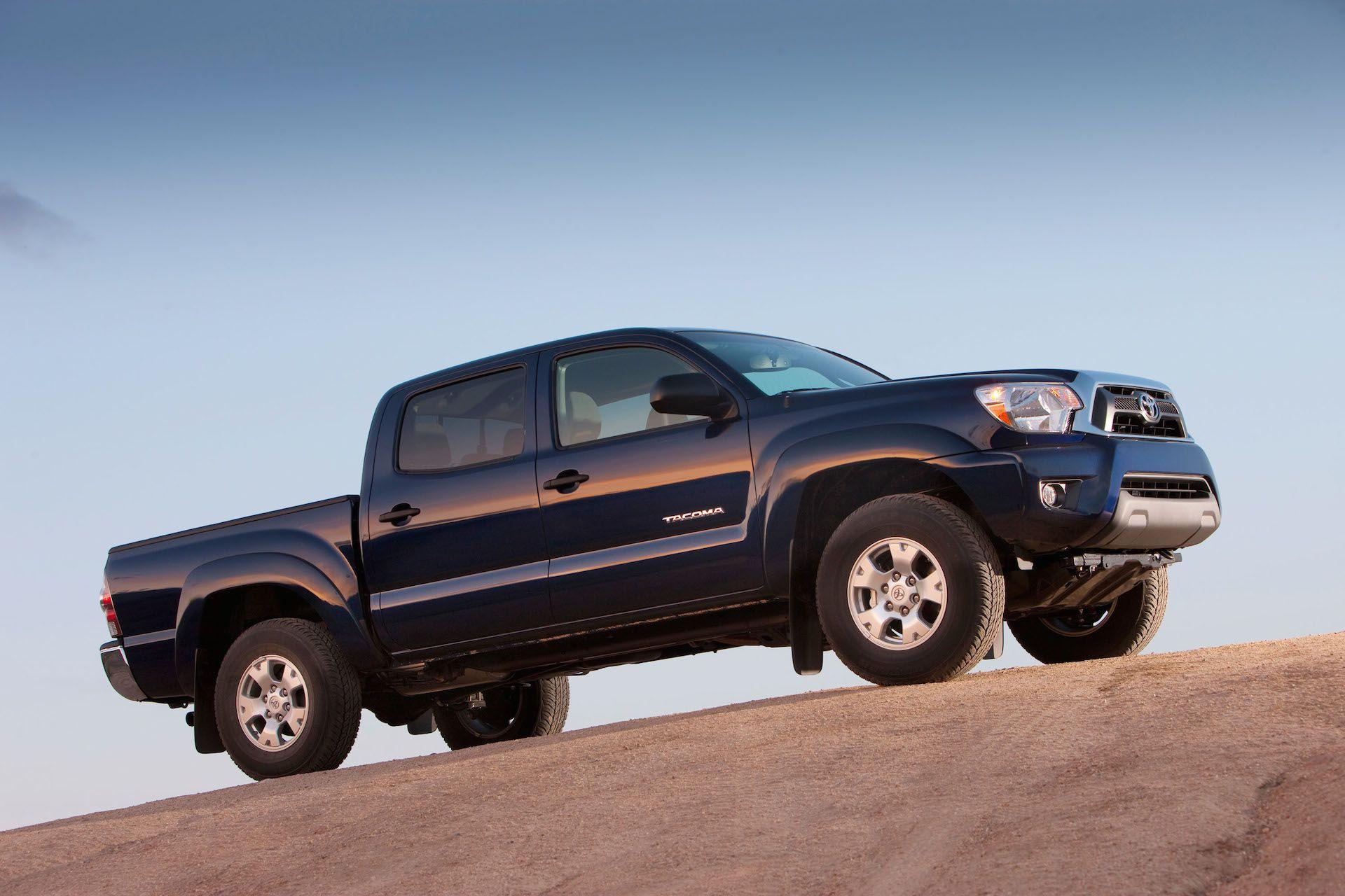 2015 Toyota Tacoma Photos and Wallpapers