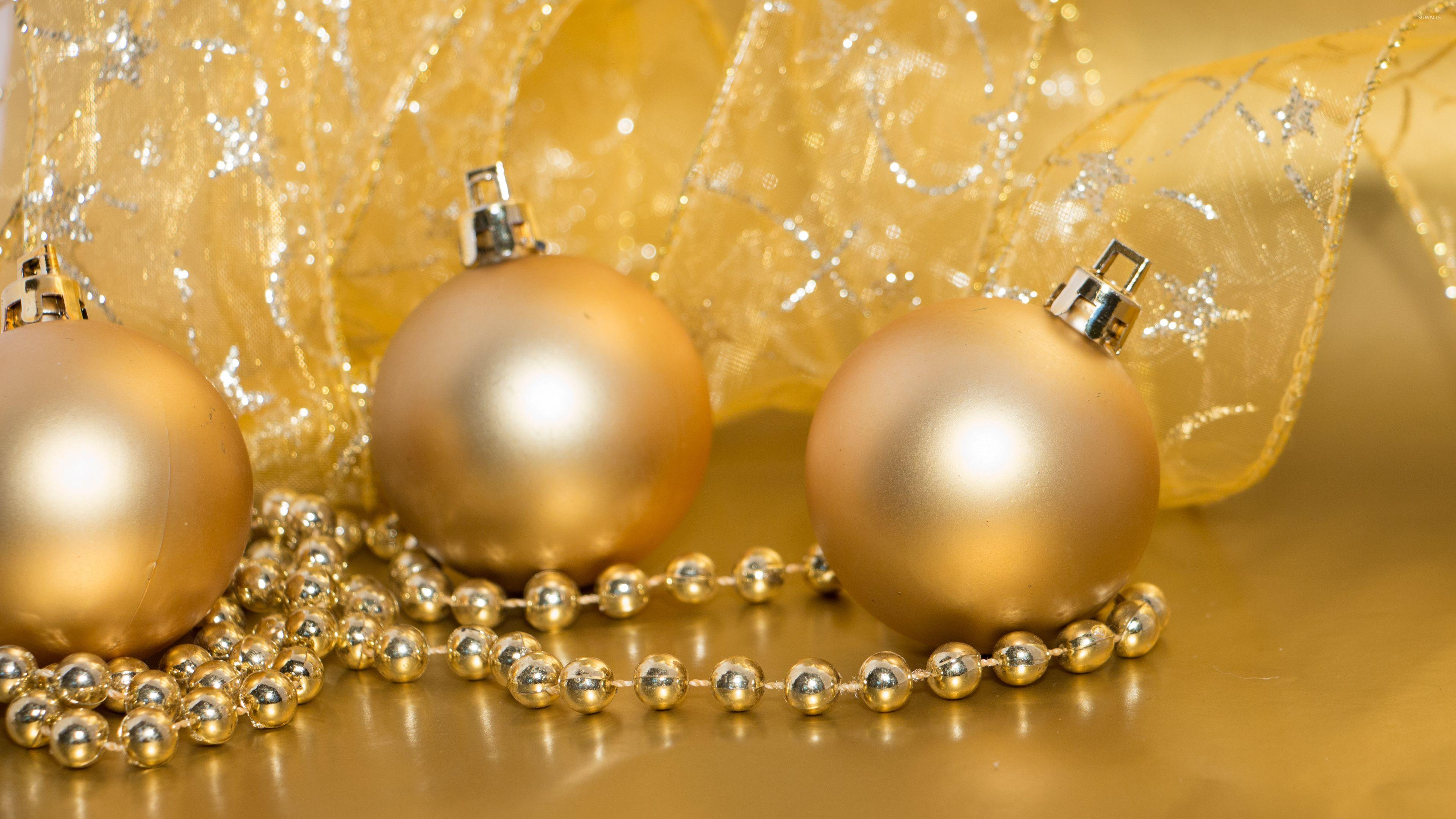 Golden Christmas decorations wallpapers