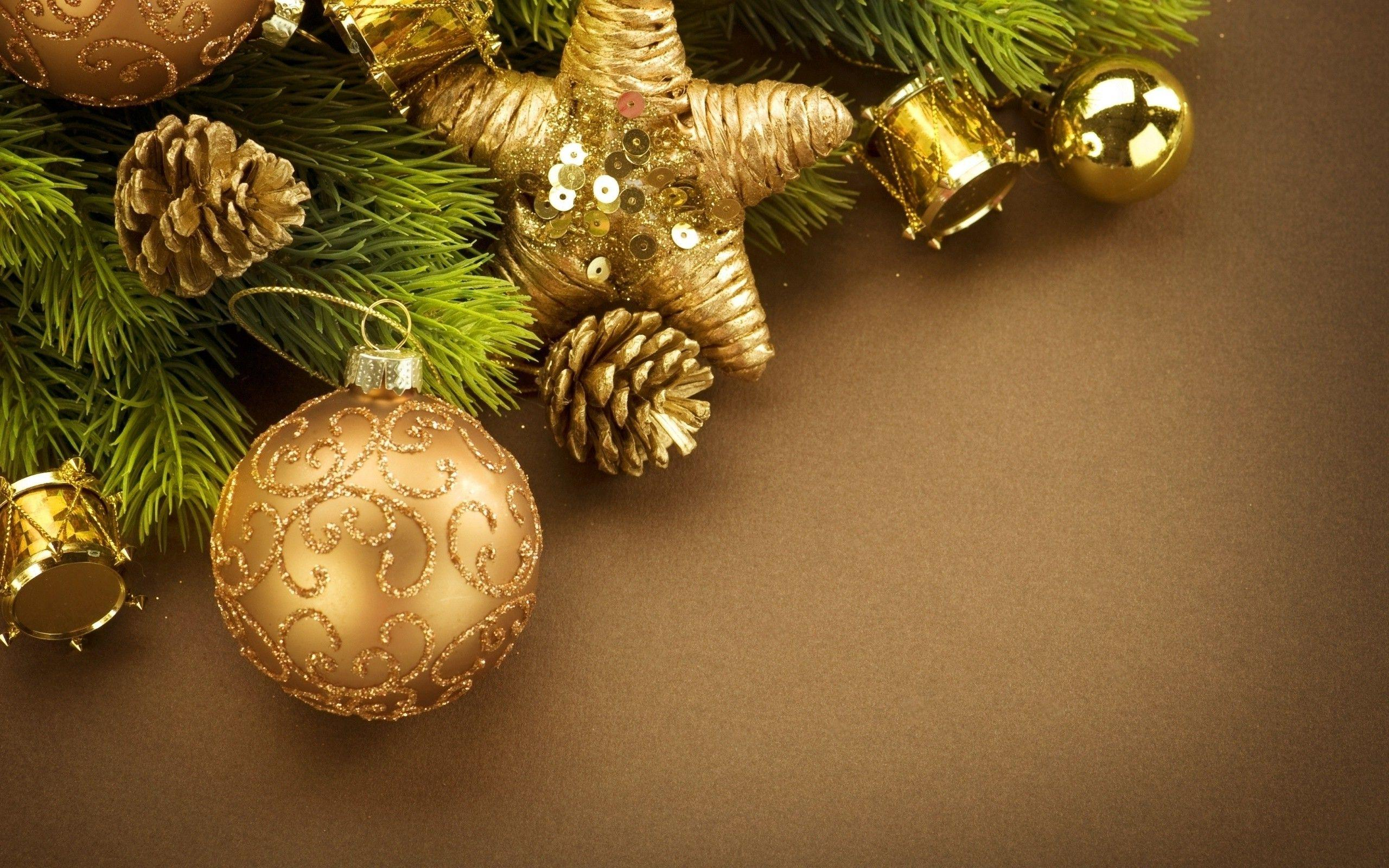 New Year, Christmas Ornaments, Cones, Leaves, Decorations