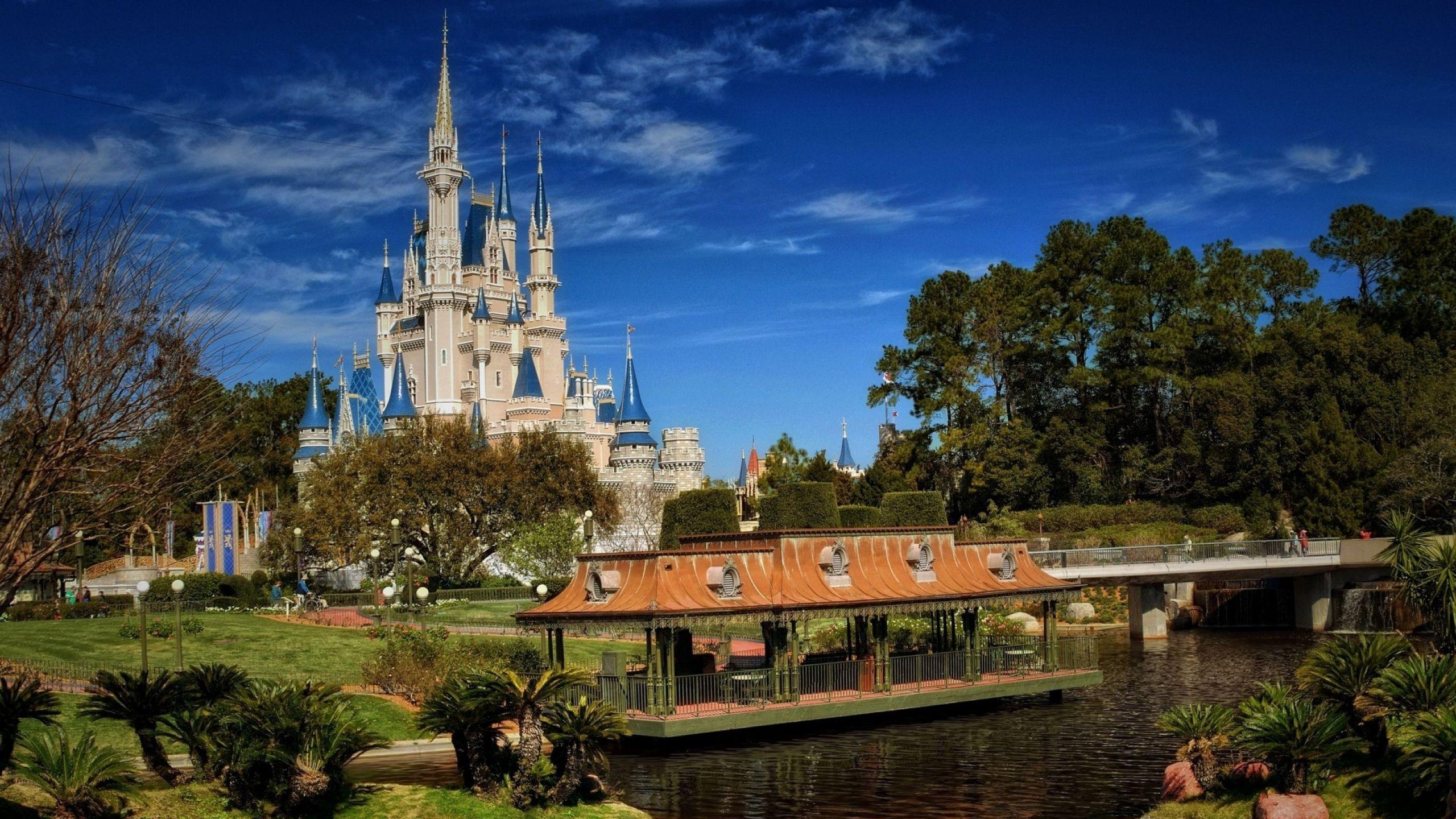 Download Wallpaper 2560x1440 Walt disney world, coast, Building ...