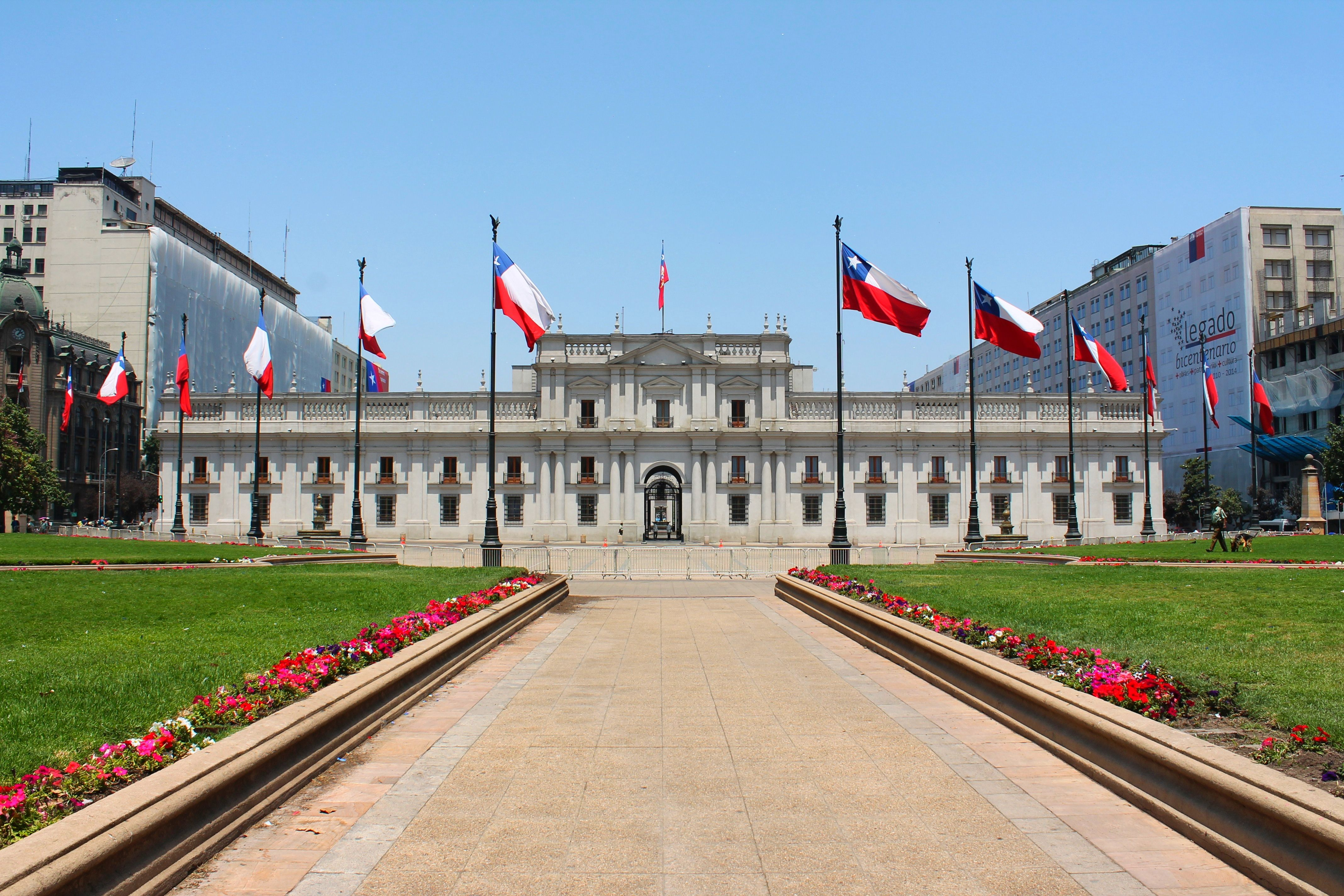 President Palacio de la Moneda, Santiago Chile wallpapers and ...
