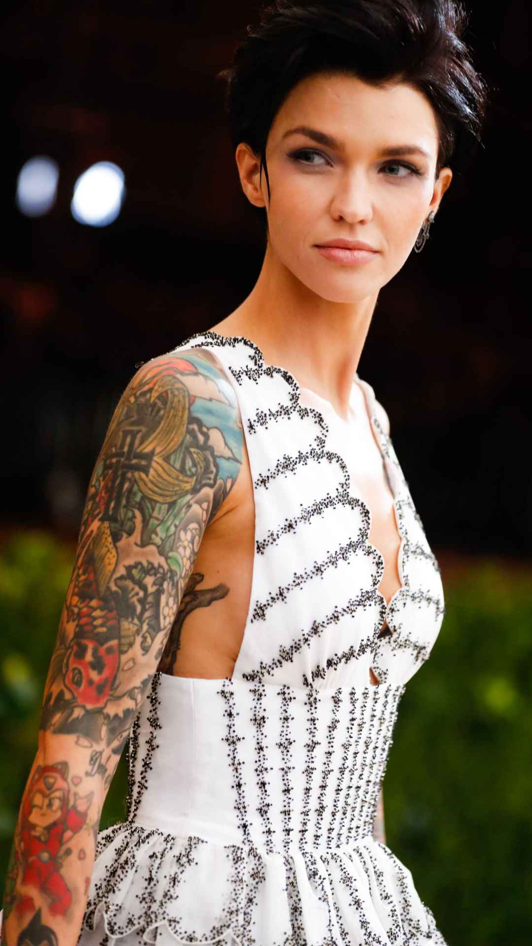 Ruby Rose Mobile Wallpaper Picture Image Background