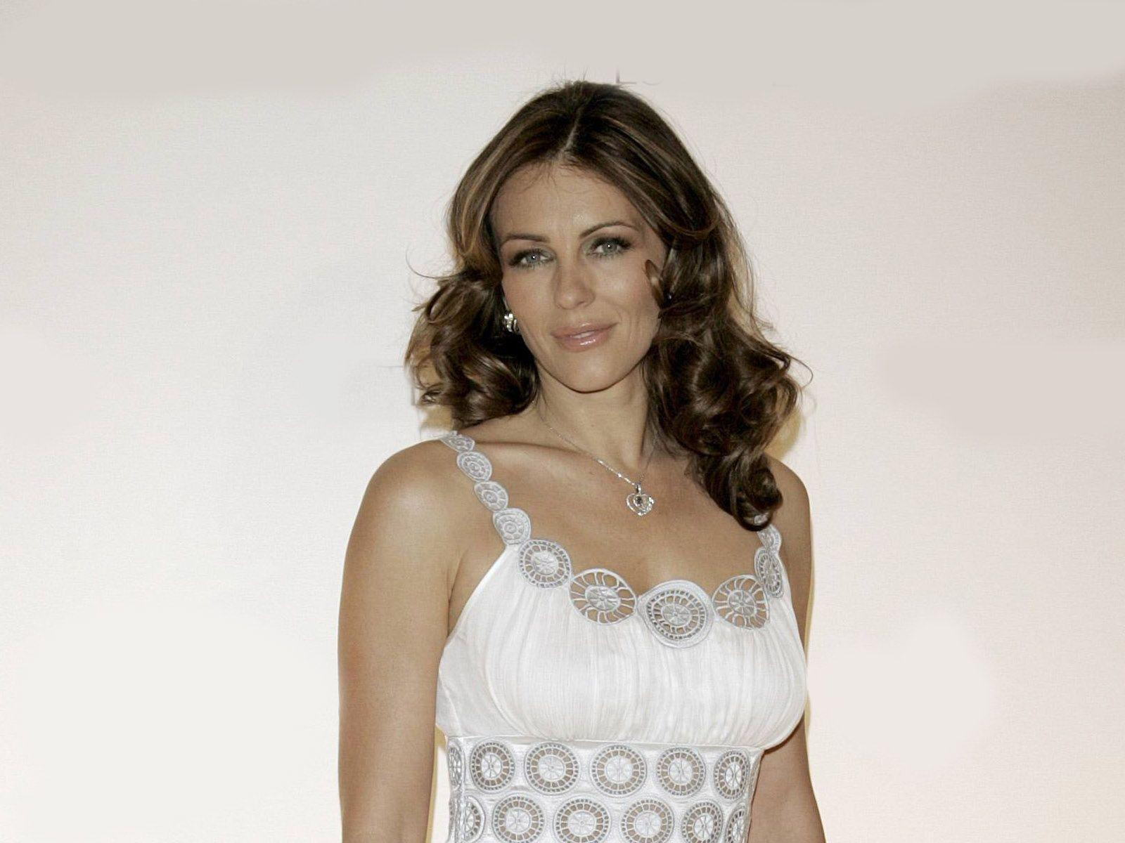Elizabeth Hurley Wallpaper Free HD Backgrounds Images Pictures