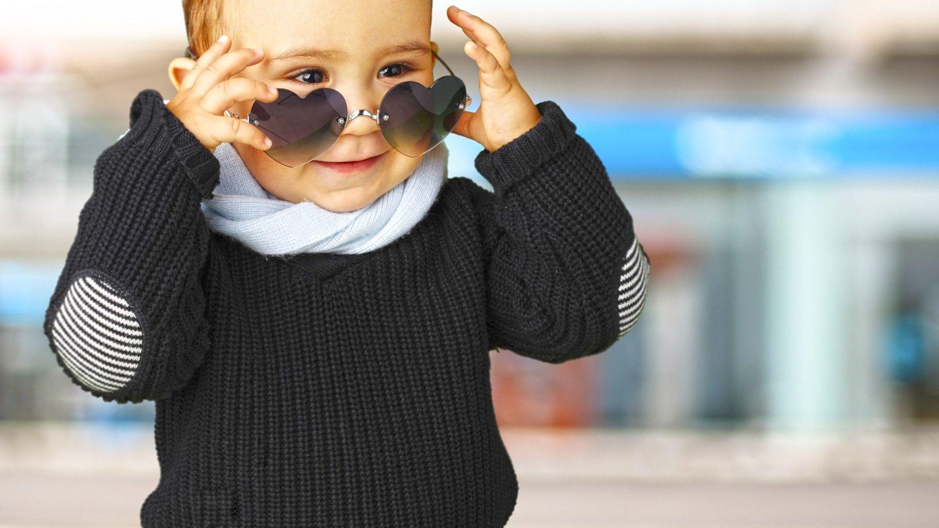 Looks - Little stylish boy profile pic video