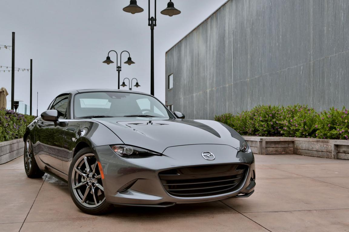 2017-mazda-mx-5-miata-rf-wallpaper - automotive99.com