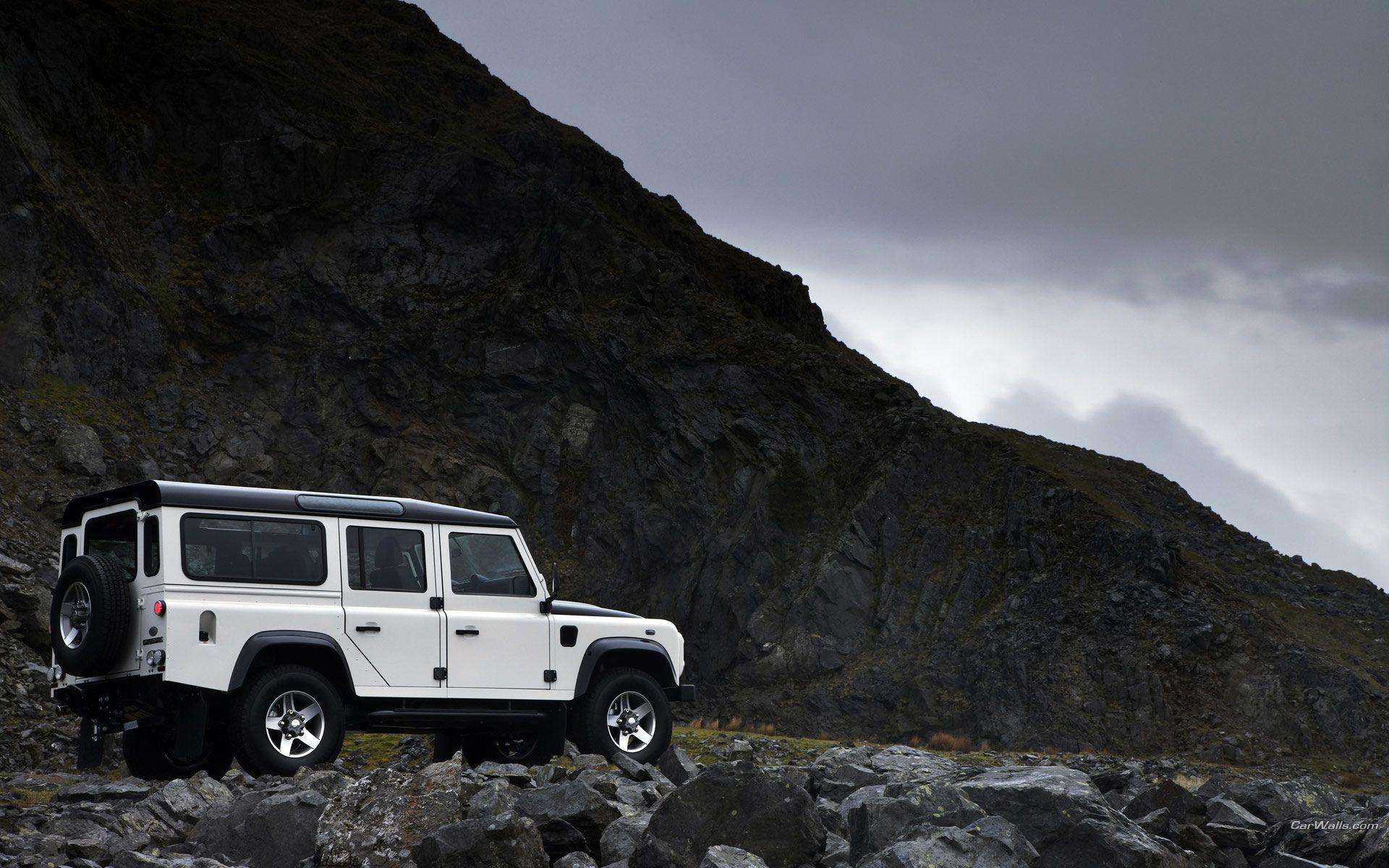 Land Rover Defender Wallpapers Group with 35 items