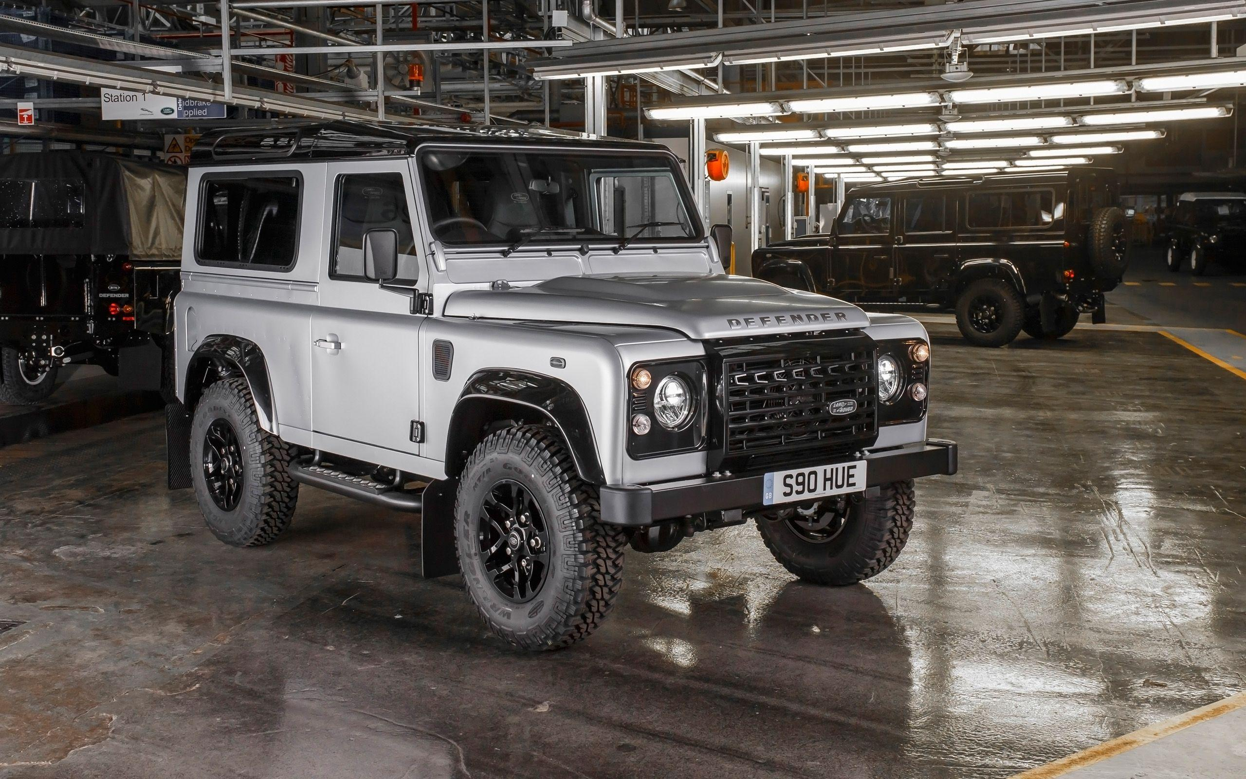 2015 Land Rover Defender Wallpapers