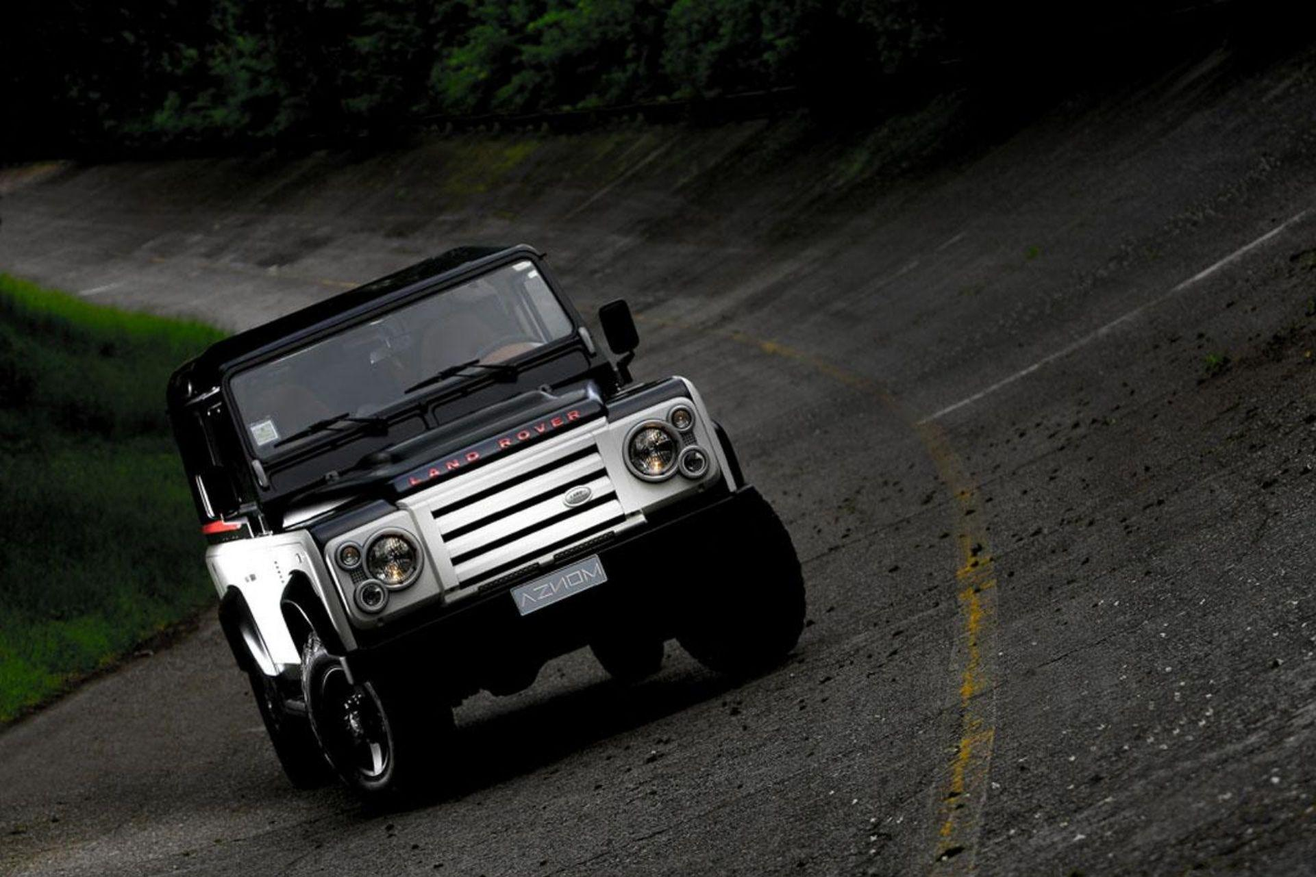 2010 Land Rover Defender Wallpapers