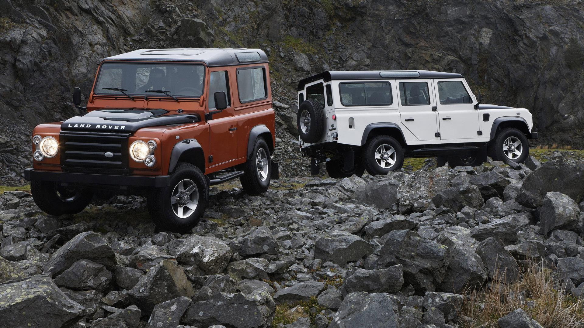 HD White and red Land Rover Defender Wallpapers