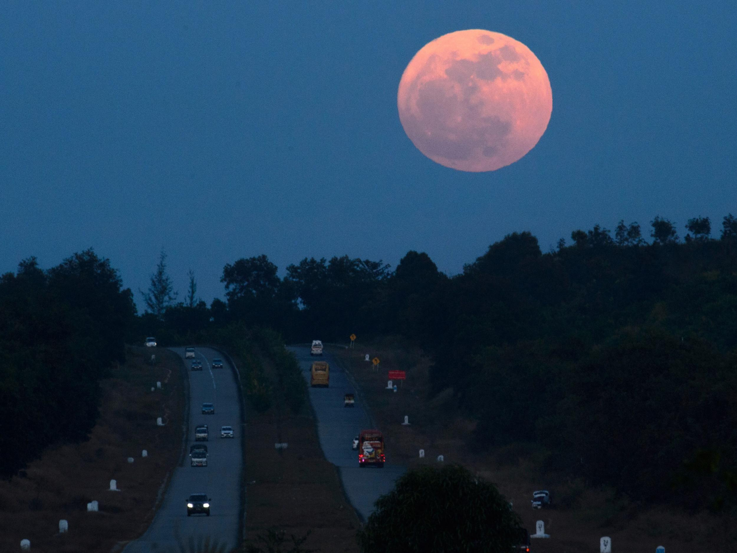 Super blue blood moon: End of January to see stunning collision of ...