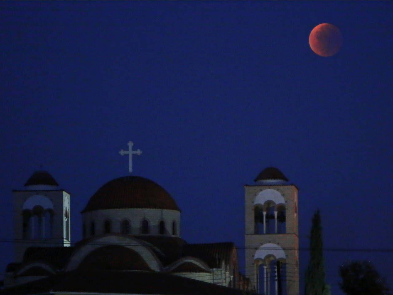Blood moon magic: 17 amazing images of the supermoon around the ...