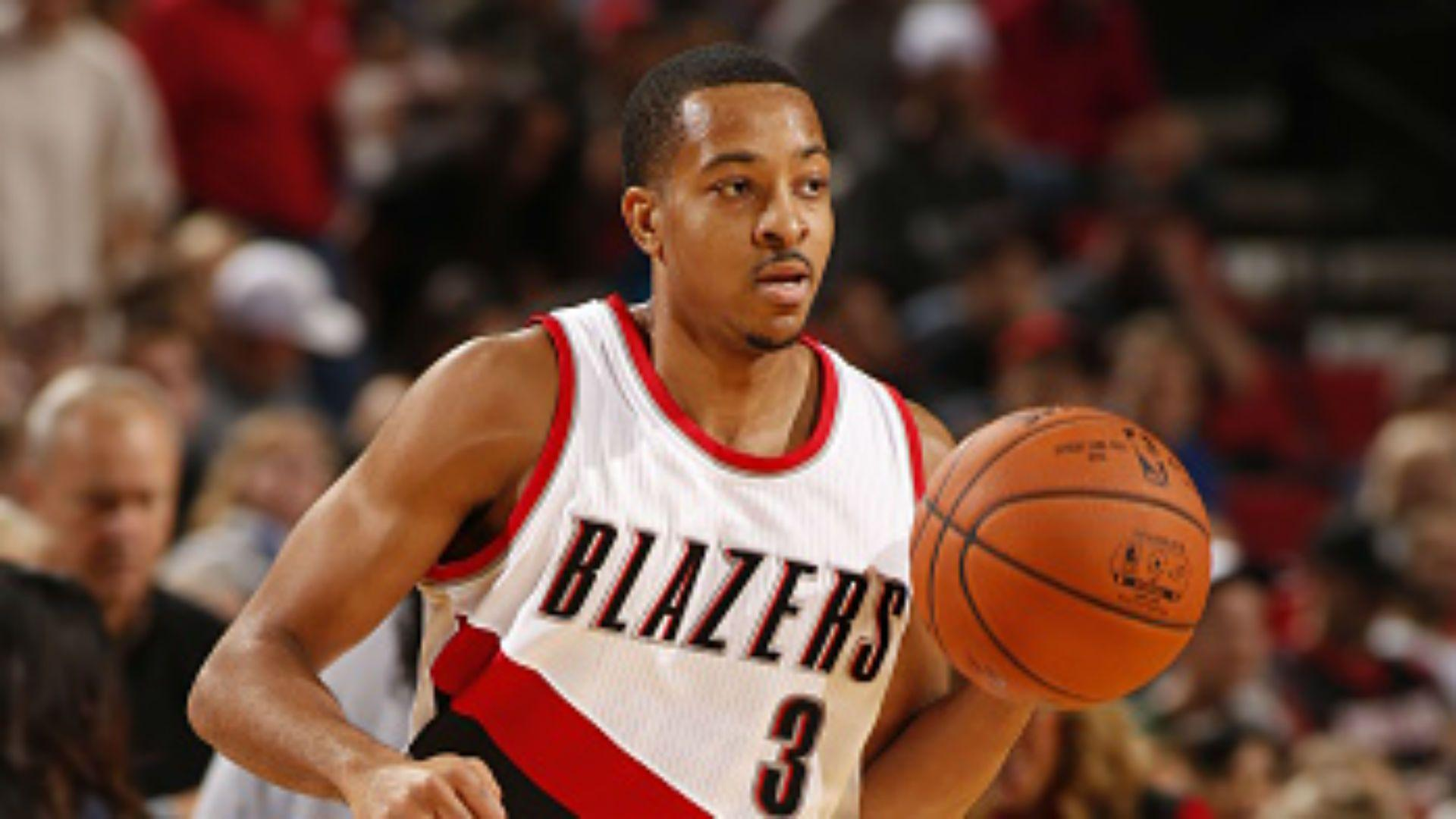 Blazers guard C.J. McCollum turns into Stephen Curry to start