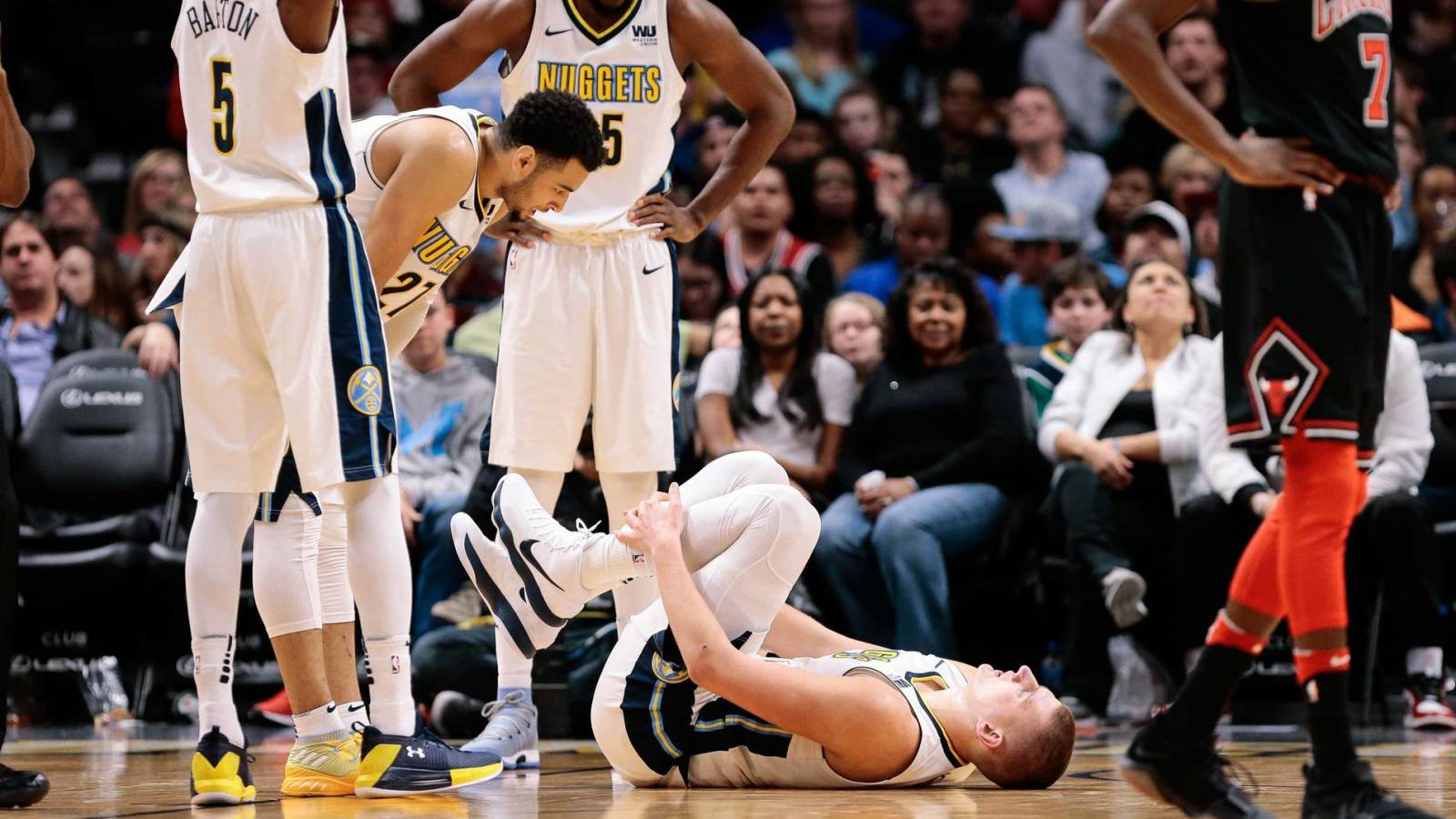 Report: Nuggets optimistic about Nikola Jokic injury | Yardbarker.com