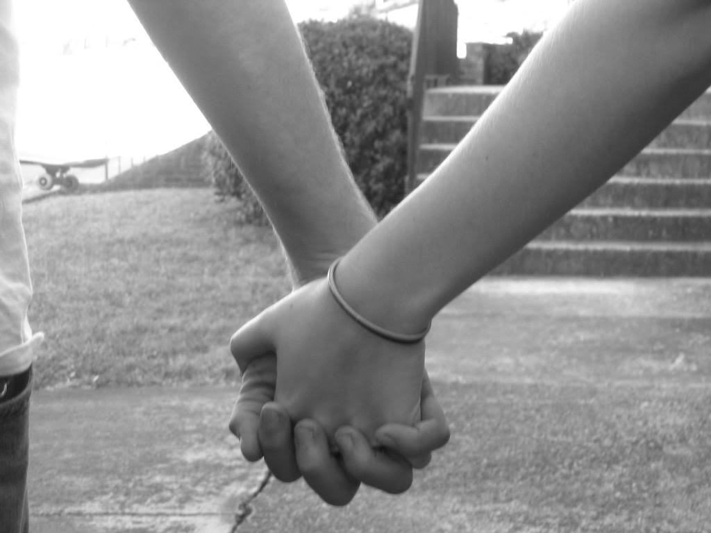 Love Holding Hands Wallpaper Free HD