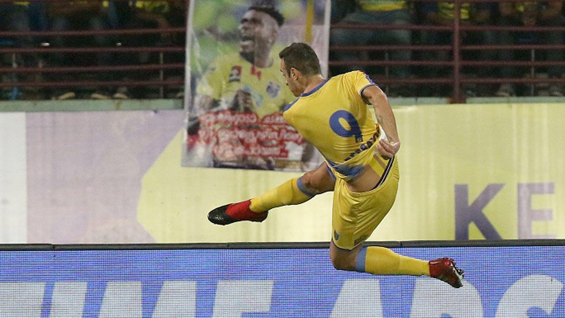 ISL 2017: Lacklustre Kerala Blasters escape with a point against ...