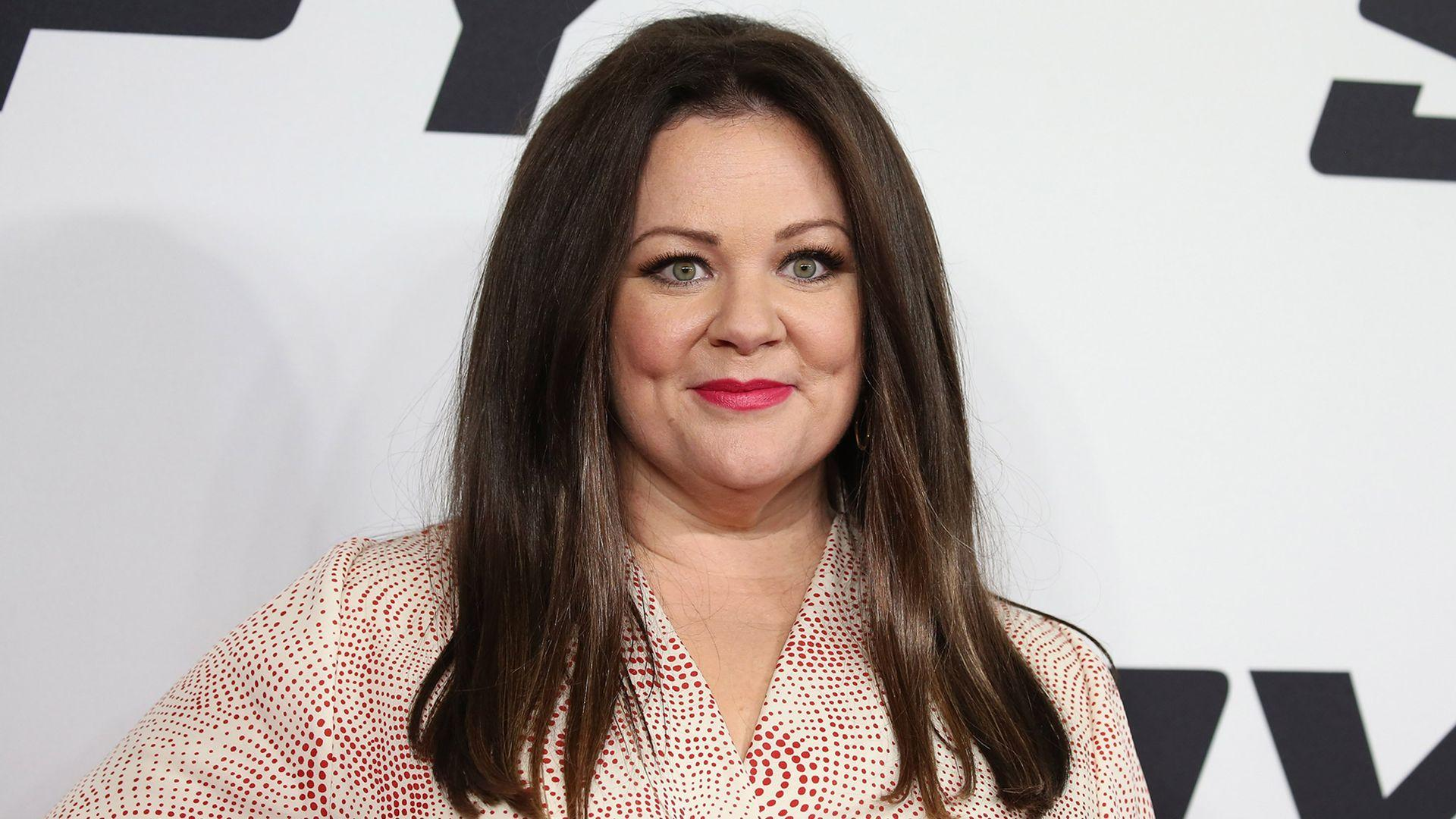 Melissa McCarthy wears own design on 'Spy' red carpet