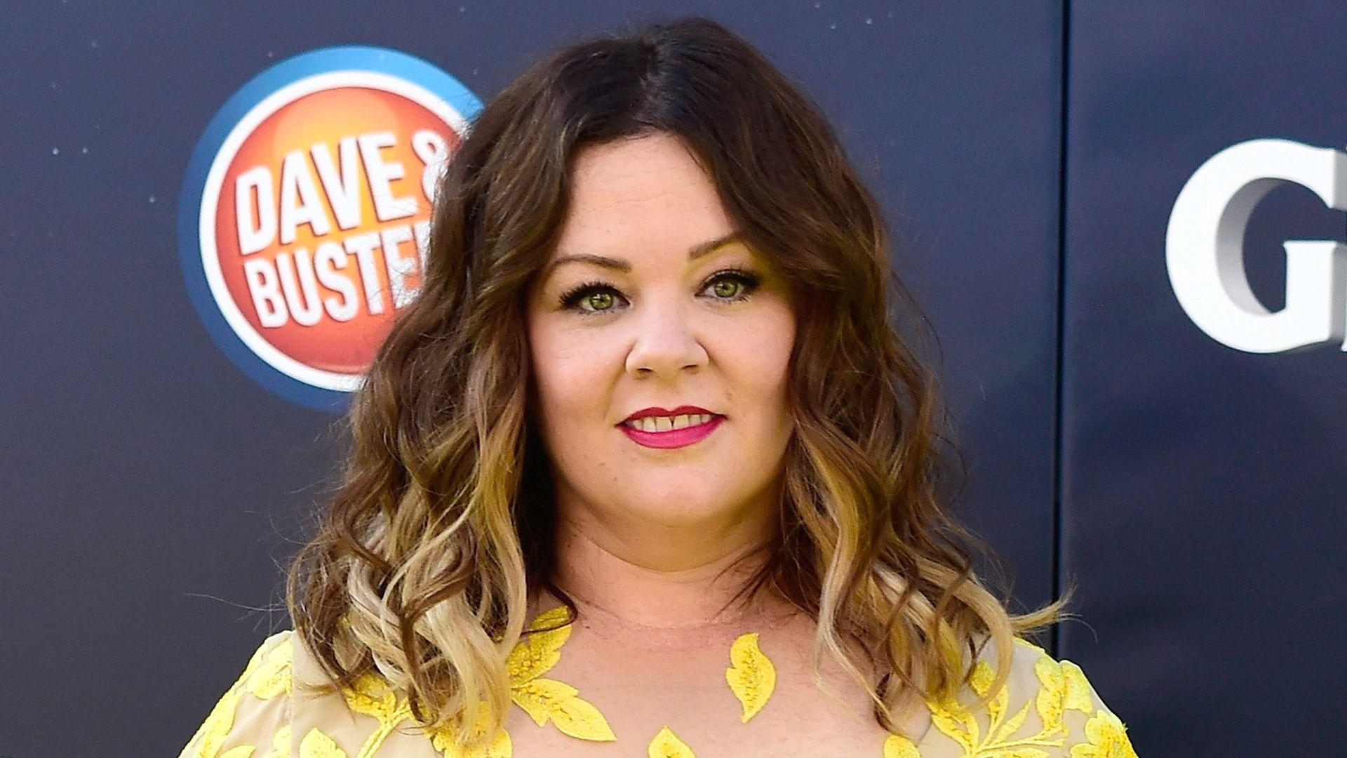 Melissa McCarthy cheers on Jennifer Aniston: 'Stop tearing down ...