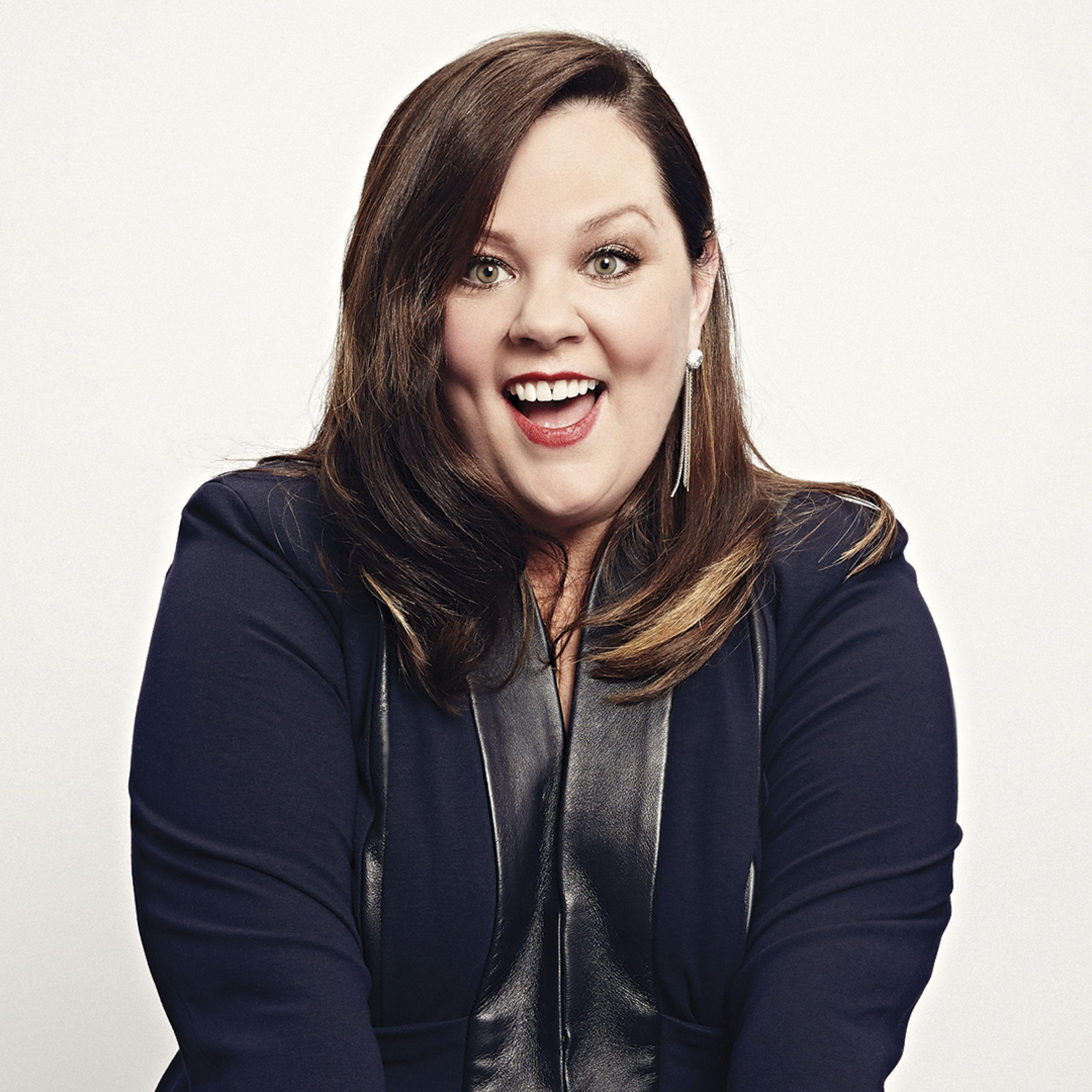Download Wallpaper 2732x2732 Melissa mccarthy, Actress, Smiling ...