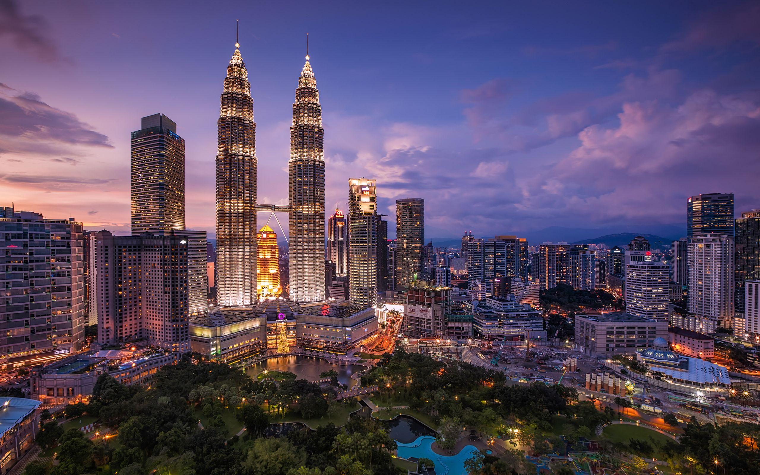 Daily Wallpaper: Petronas Towers, Malaysia | I Like To Waste My Time
