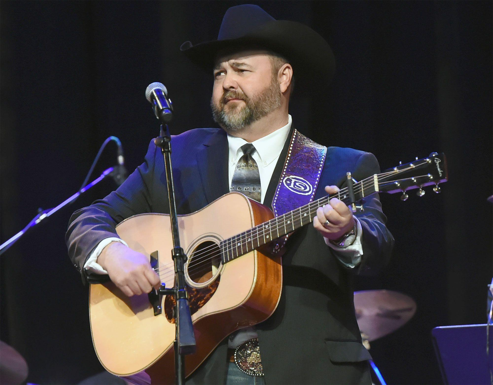 Country Singer Daryle Singletary Dies Unexpectedly at Age 46 ...