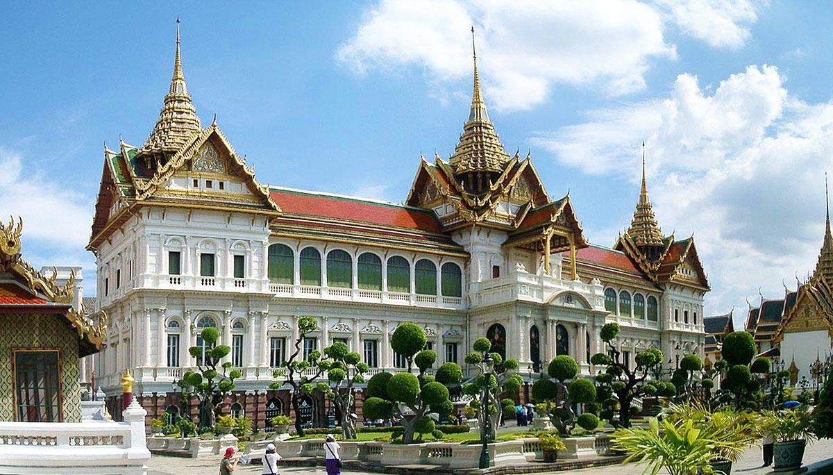 Grand Palace of Thailand Historical Facts and Pictures | The ...