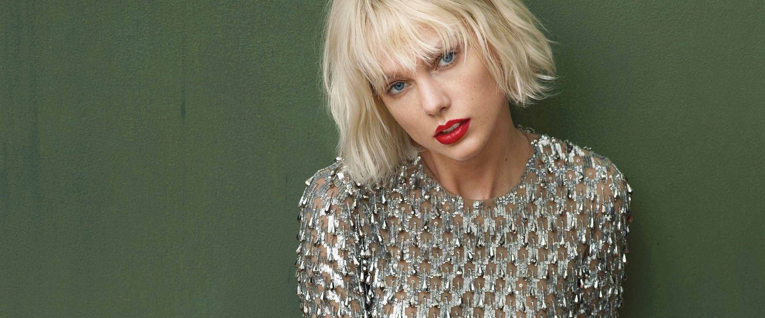 Taylor Swift Fashion, News, Photos and Videos - Vogue